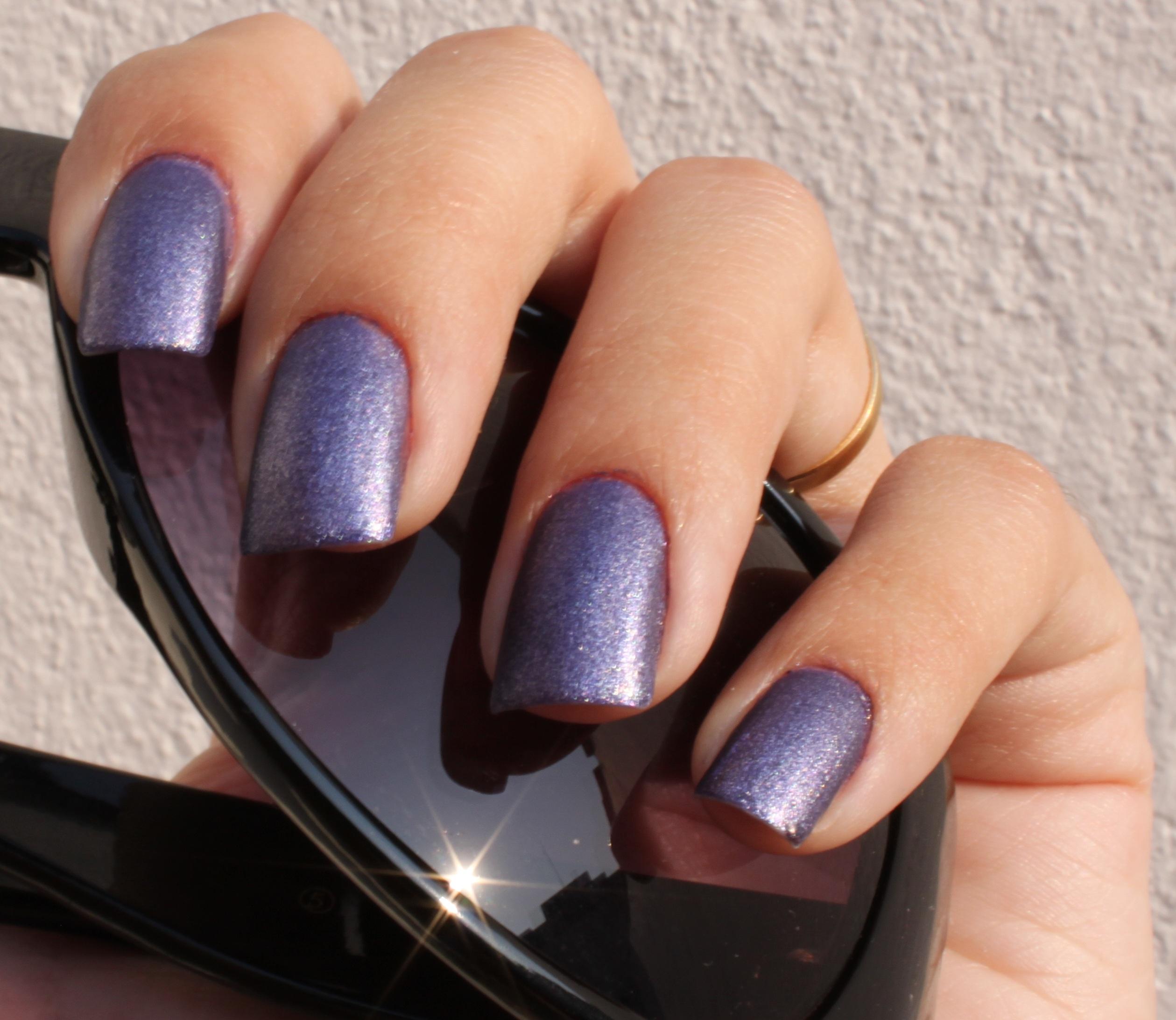 File:Violete nail colour.jpg - Wikimedia Commons
