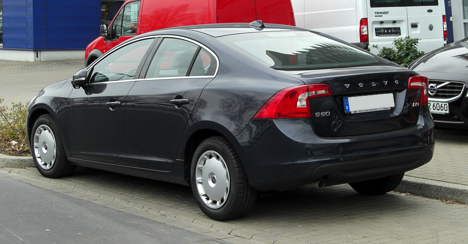 file volvo s60 d3 summum ii heckansicht 26 m rz 2011 d wikimedia commons. Black Bedroom Furniture Sets. Home Design Ideas