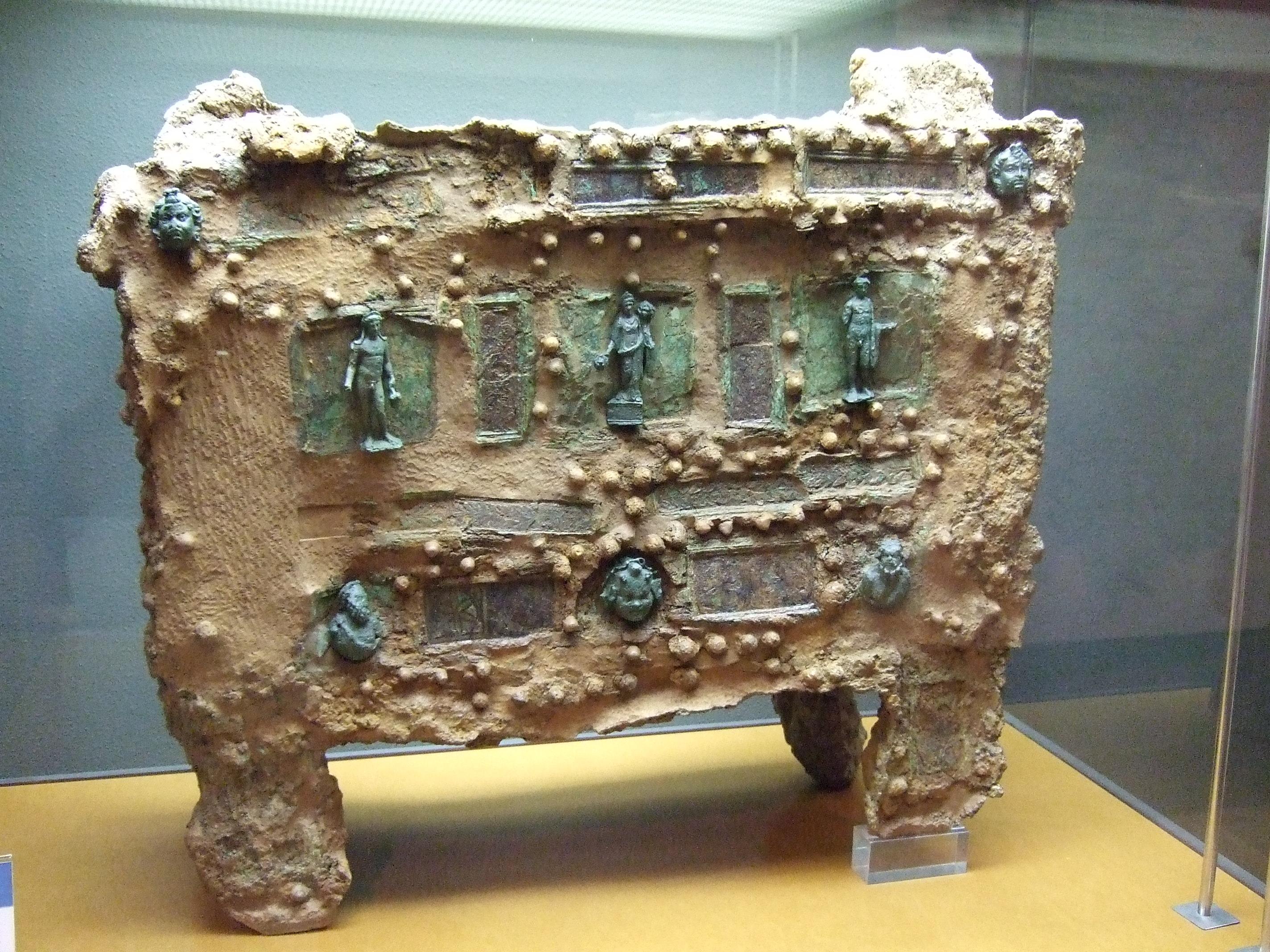 homohominilupus02 los muebles en la casa romana