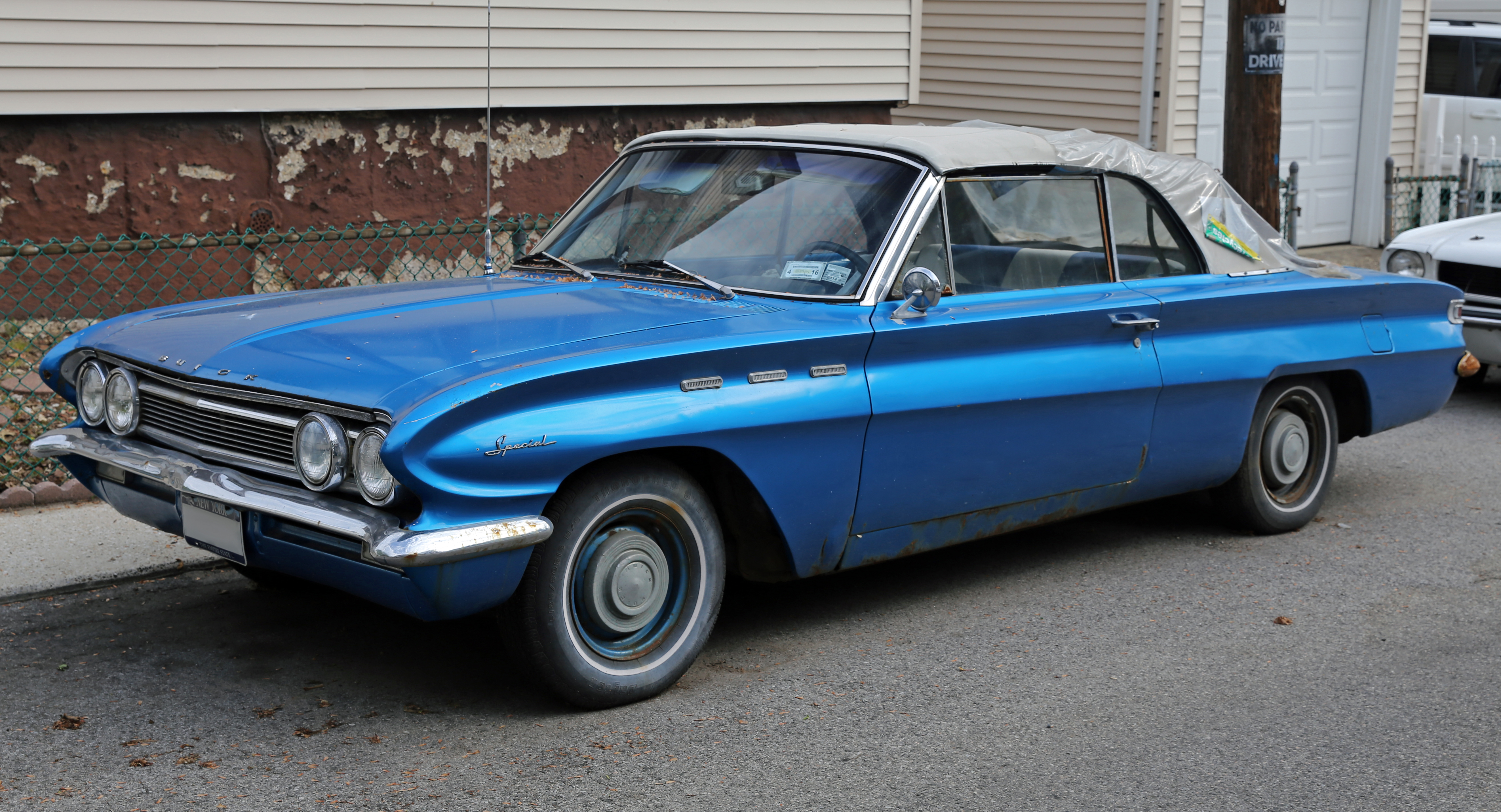 File:1962 Buick Special V6 Convertible fL.jpg - Wikimedia Commons