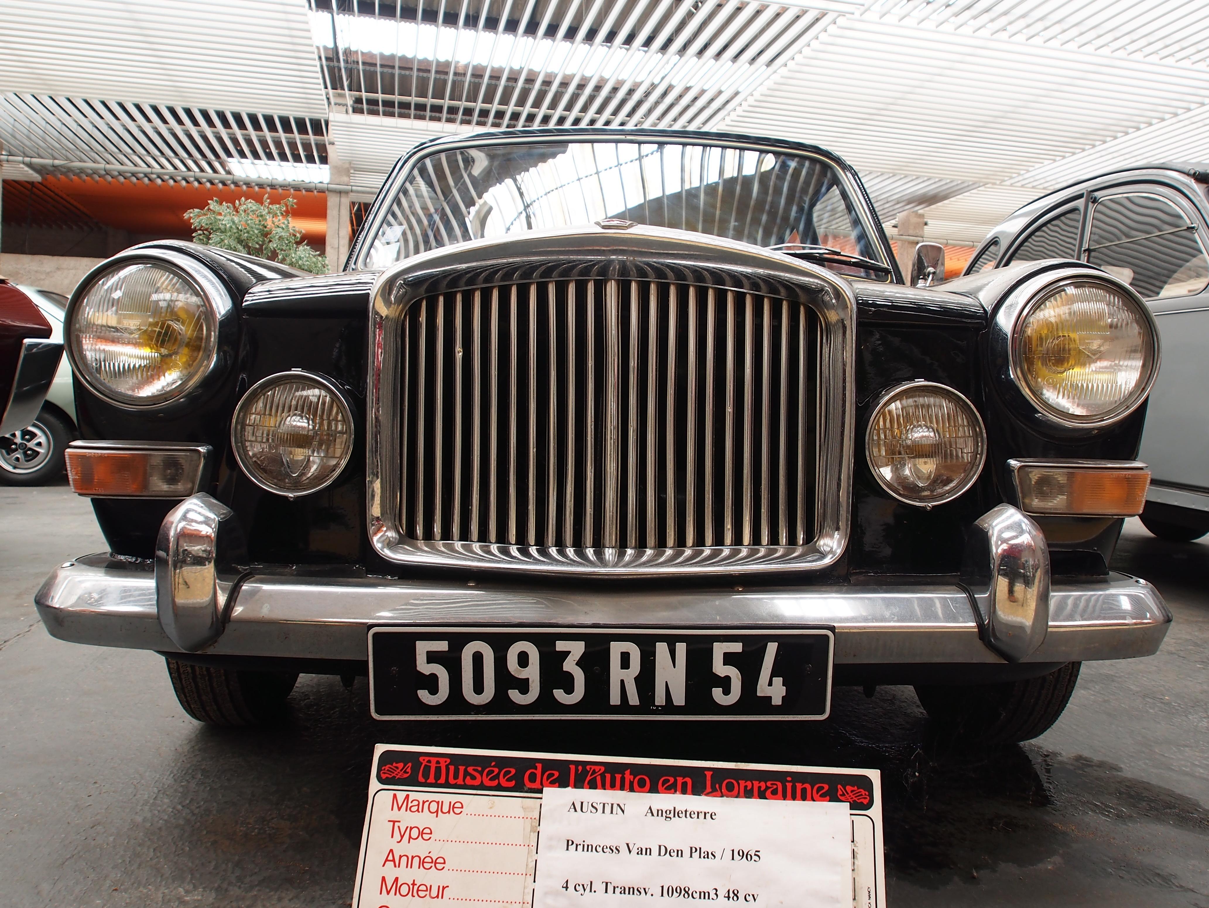 file 1965 austin angleterre  princess van den plas  4 cylinders  1098 cm3  48 cv  pic3 jpg