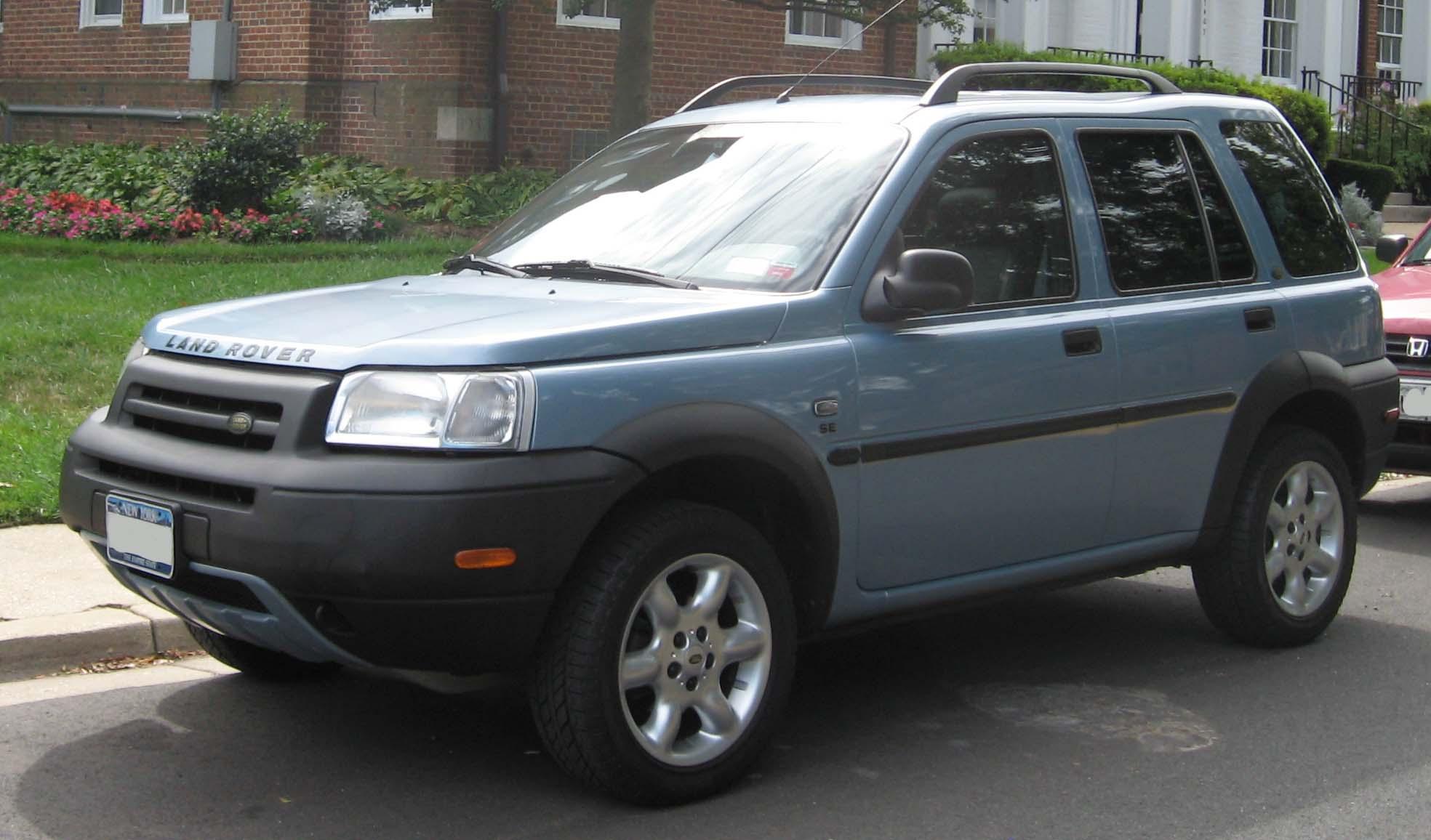 https://upload.wikimedia.org/wikipedia/commons/5/56/2002-2003_Land_Rover_Freelander.jpg