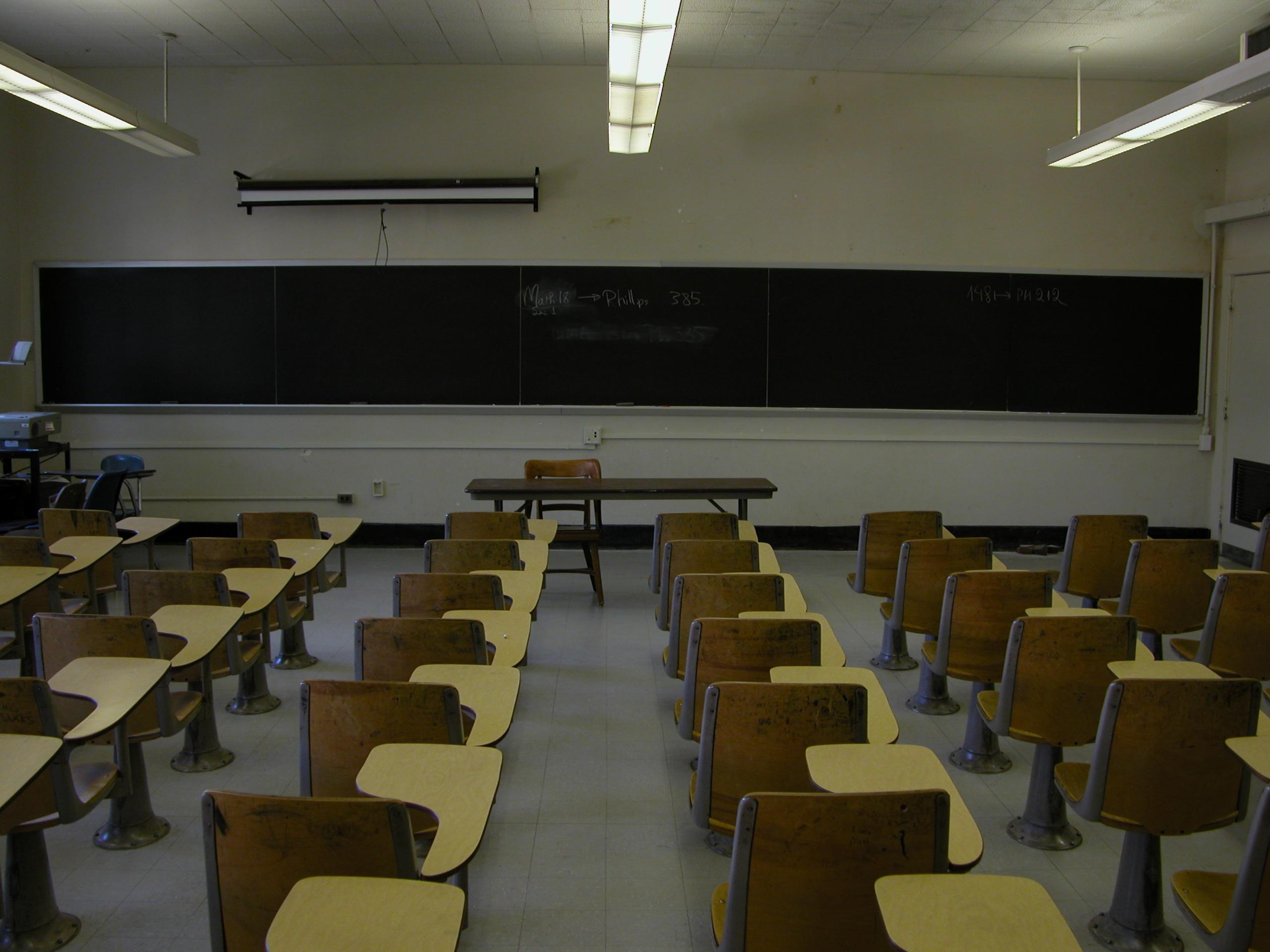 File:2003-09-30 UNC-CH Phillips classroom 2.jpg - Wikipedia