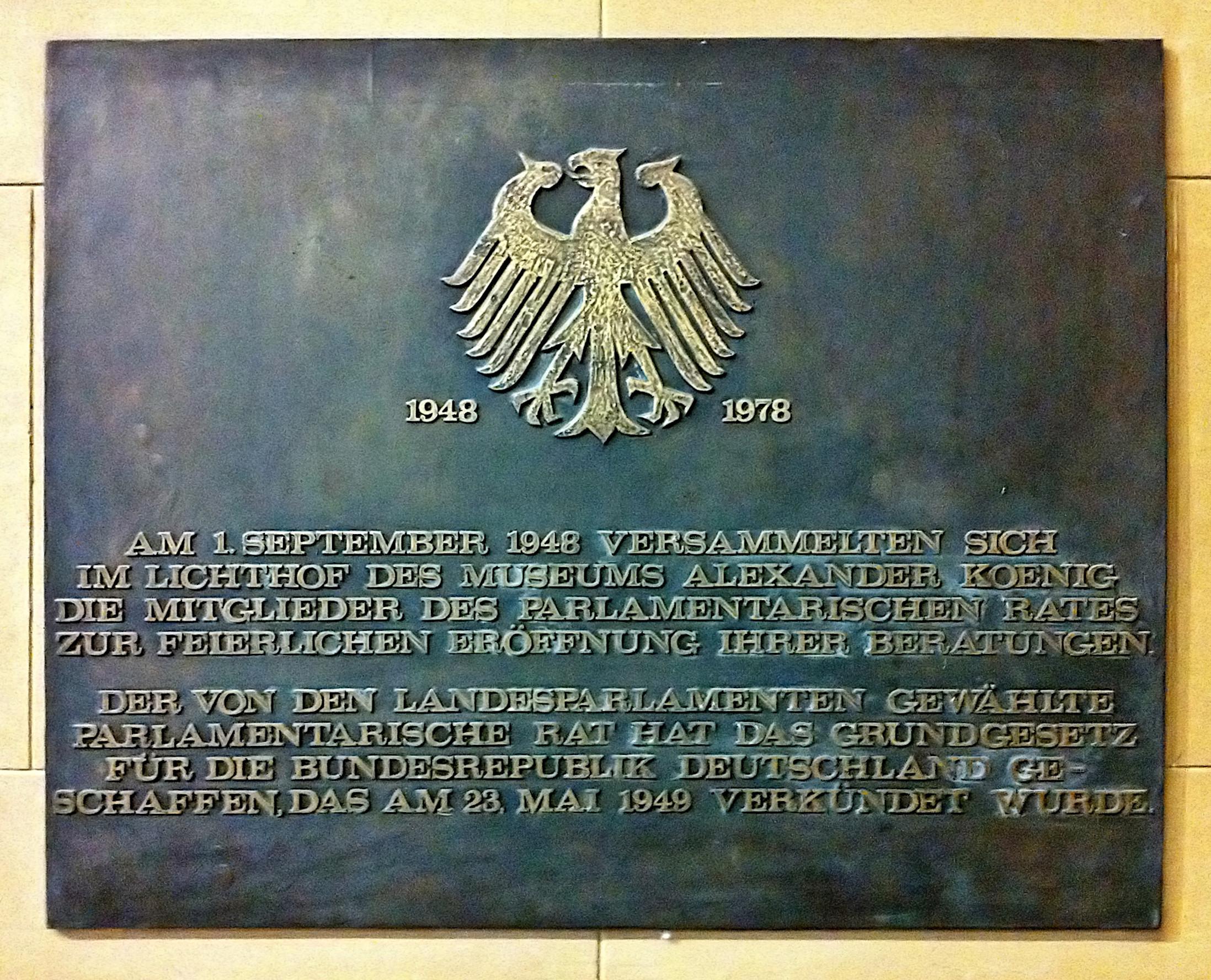 Gedenktafel im Museum Koenig