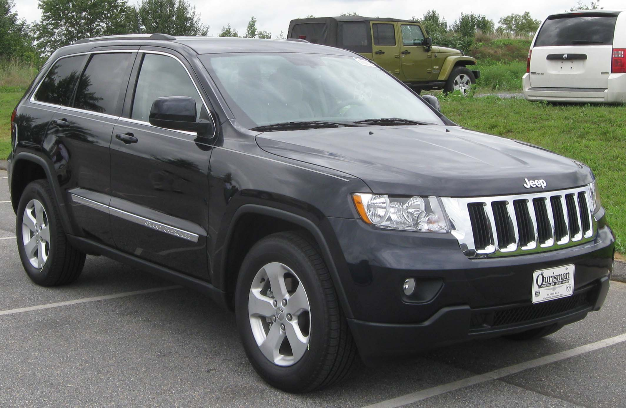file 2011 jeep grand cherokee laredo 08 13 wikipedia. Black Bedroom Furniture Sets. Home Design Ideas