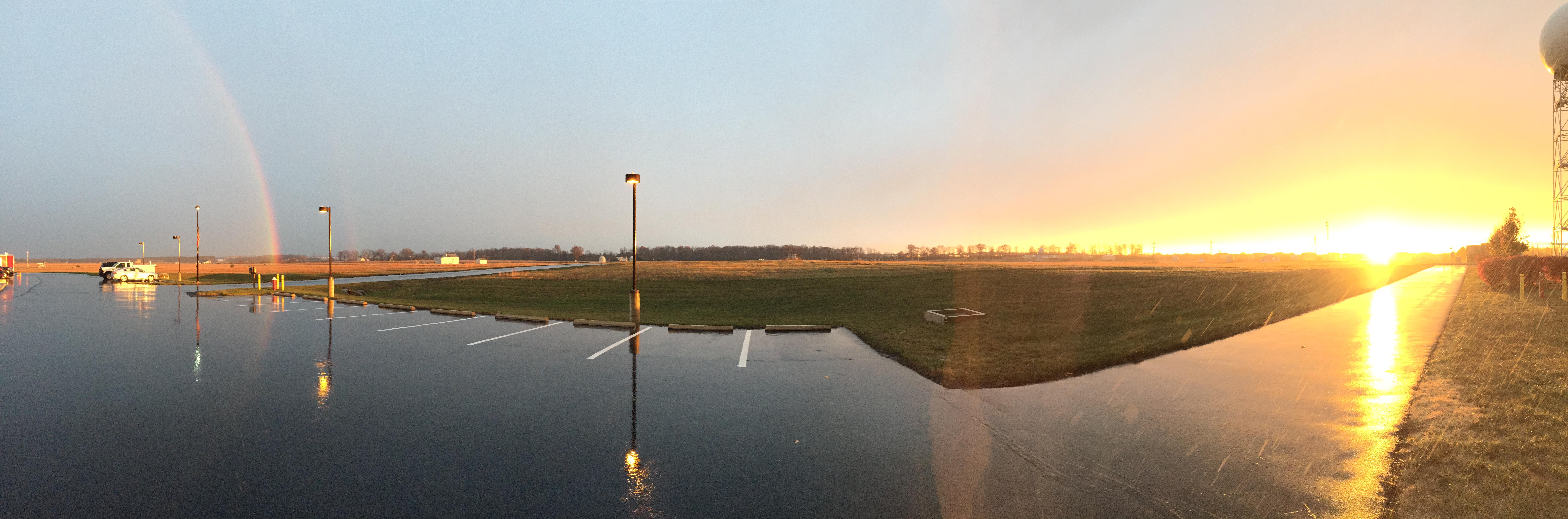 File2016 11 19 16 39 12 Panorama Of A Rainbow And Sunset