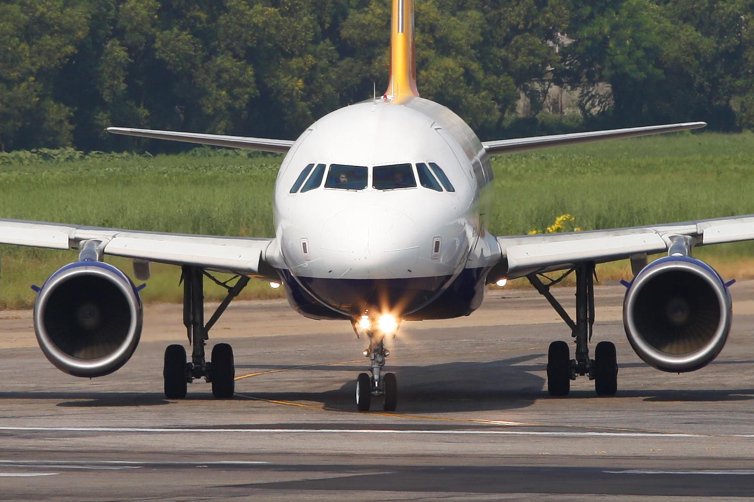 Filea5 Rgf Airbus A319 115 Druk Air Royal Bhutan Airlines Head On