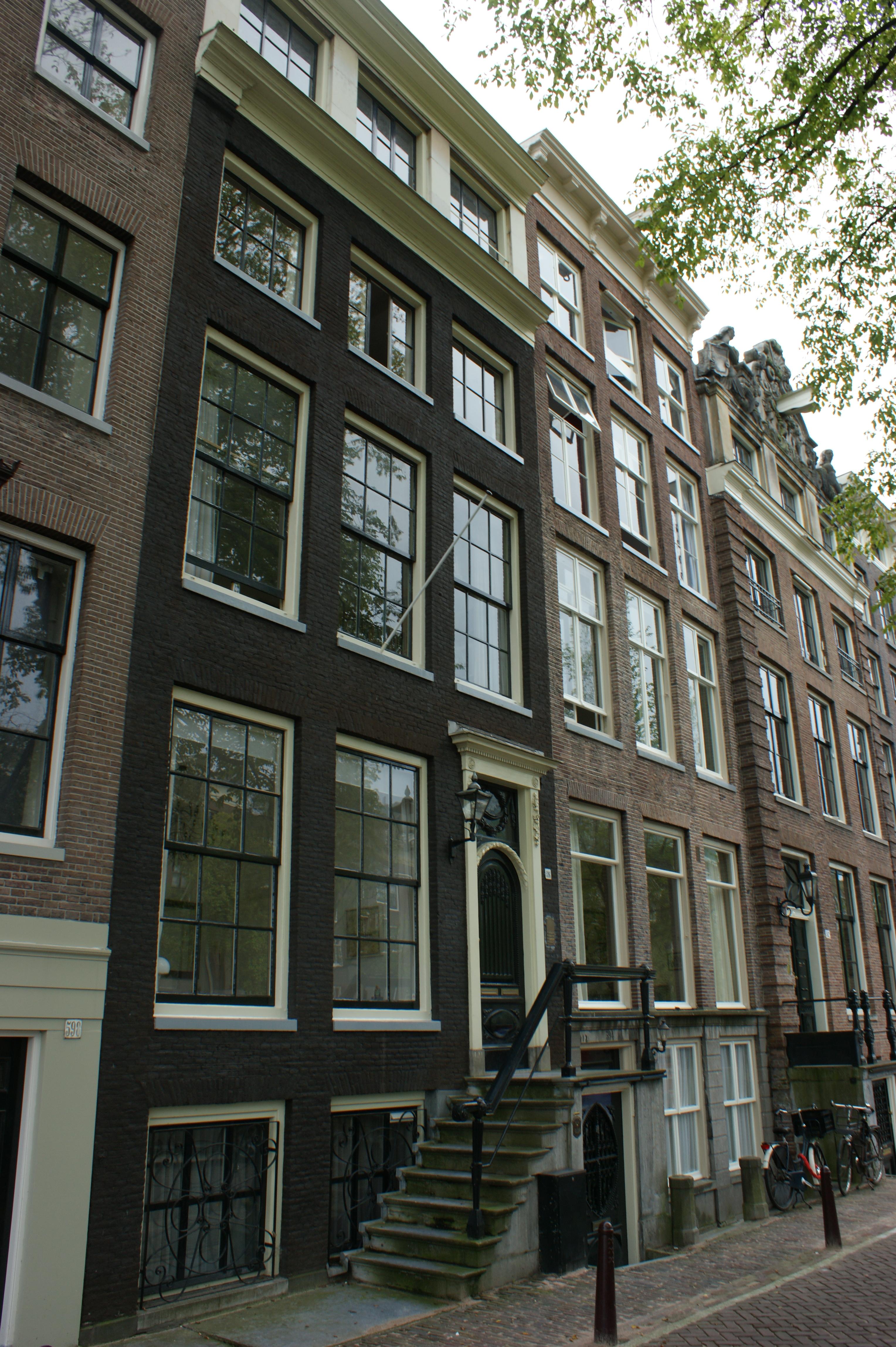 Huis met gevel onder rechte lijst in amsterdam monument for Lijst inrichting huis