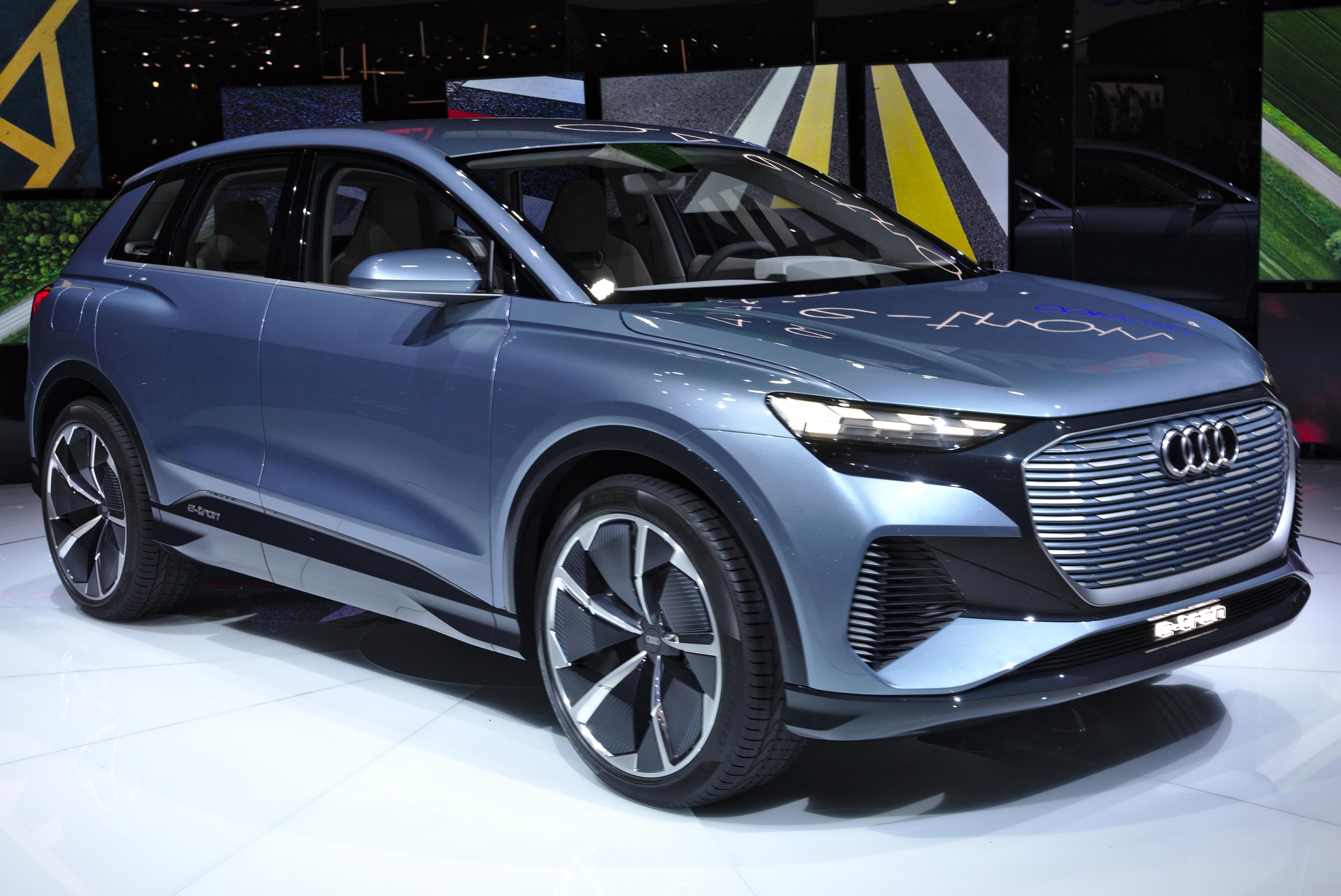 File:Audi Q4 e-tron concept Genf 2019 1Y7A5441.jpg ...