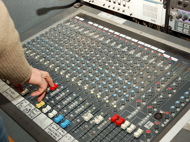 sound tech training console