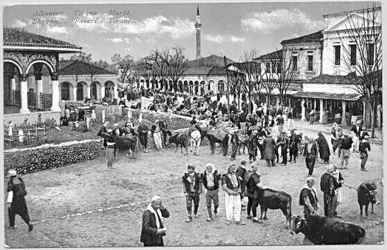 Bazar Tirana (ca. 1900).jpg