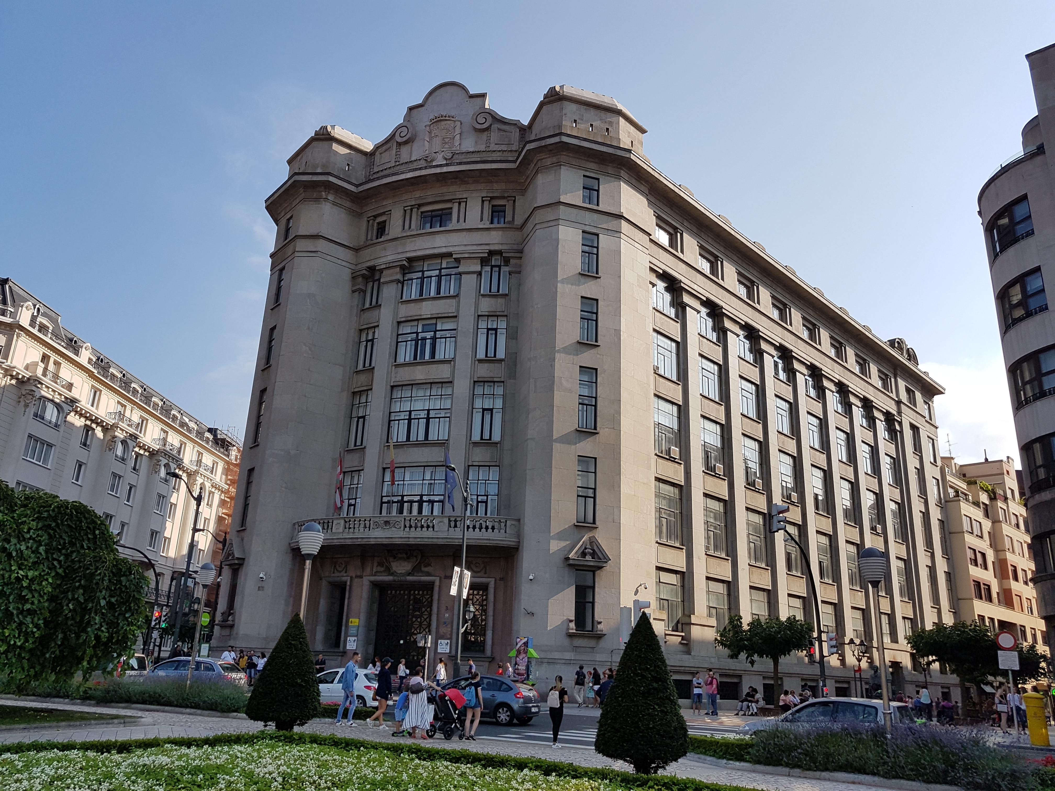 Edificio de la Agencia Estatal de Administración Tributaria ...