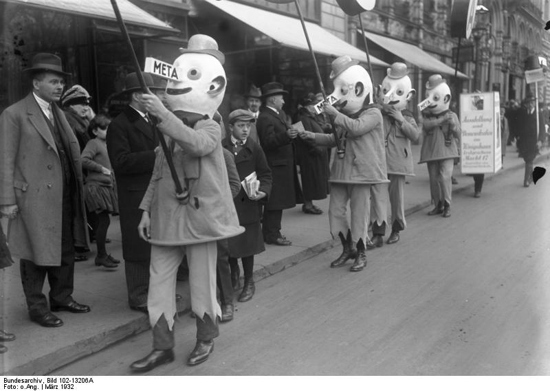 File:Bundesarchiv Bild 102-13206A, Leipzig, Frühjahrsmesse, Werbung.jpg