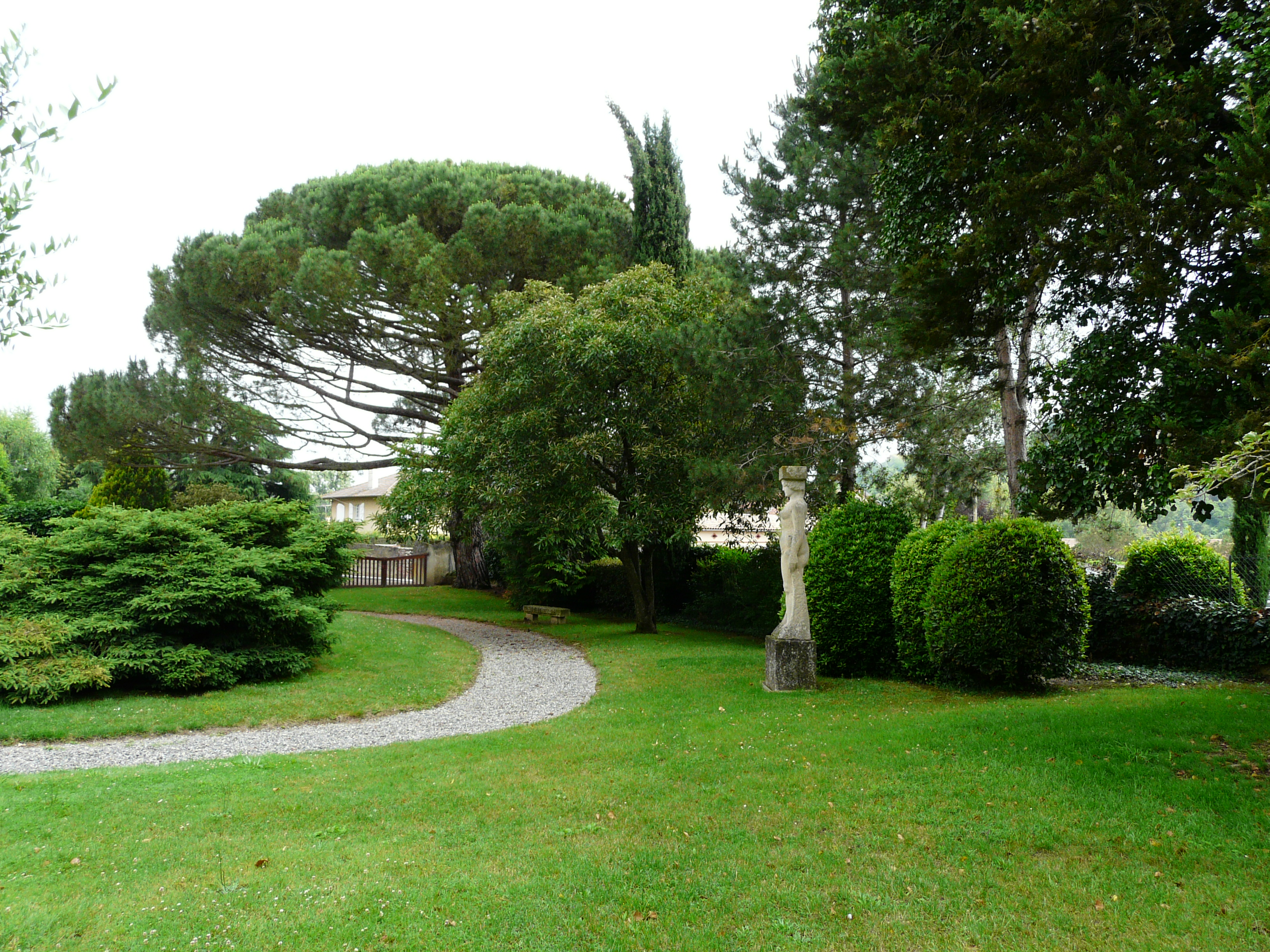 File carbonne jardin abbal 6 jpg wikimedia commons - Toile de jardin triangulaire ...