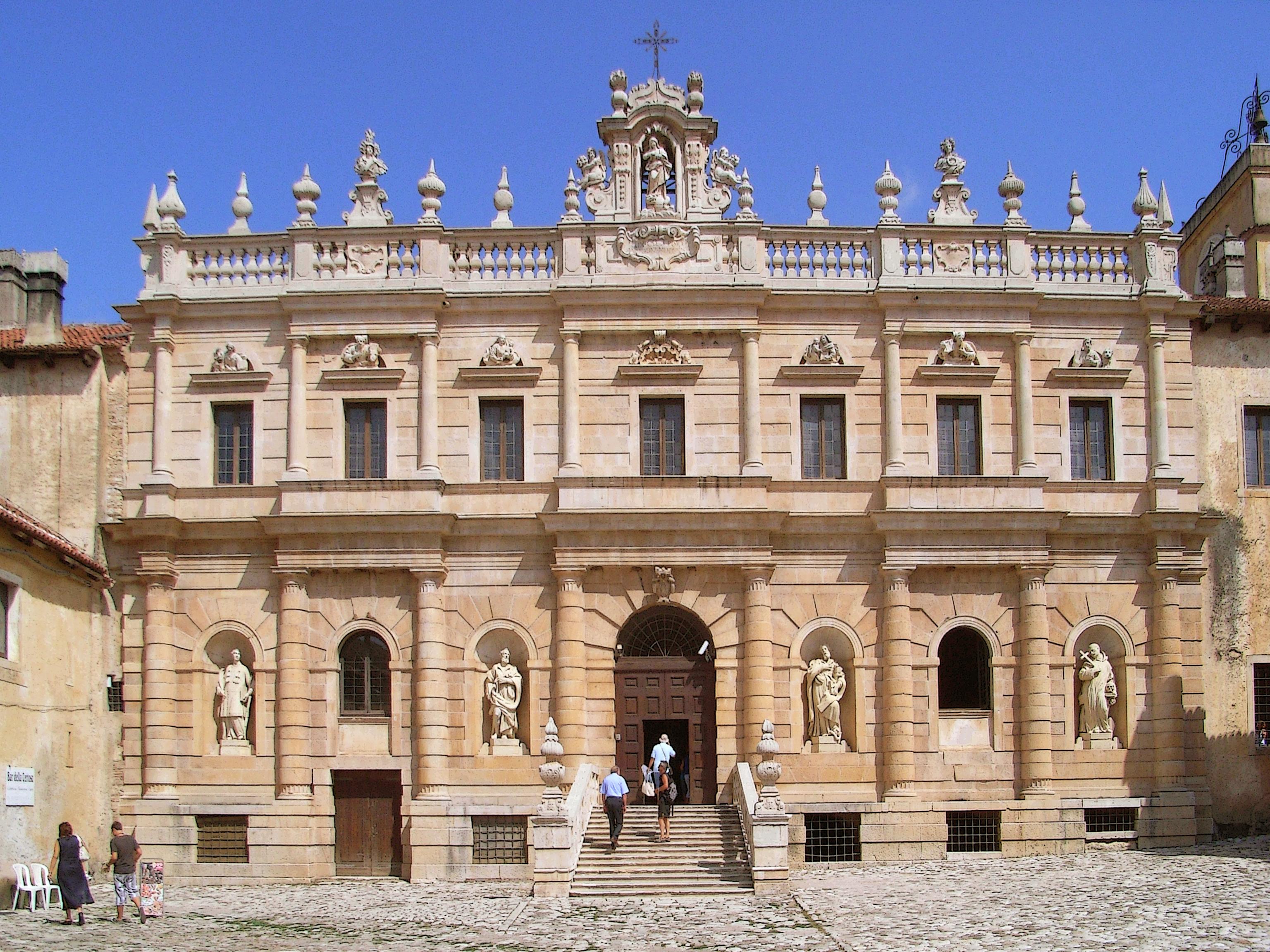 パドゥーラ修道院
