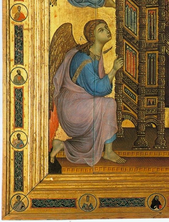 Duccio Madonna Ruccelai - détail ange bas-gauche.jpg