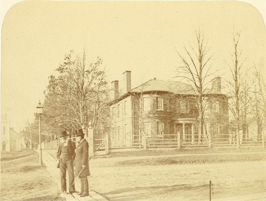 Fairholm Inn