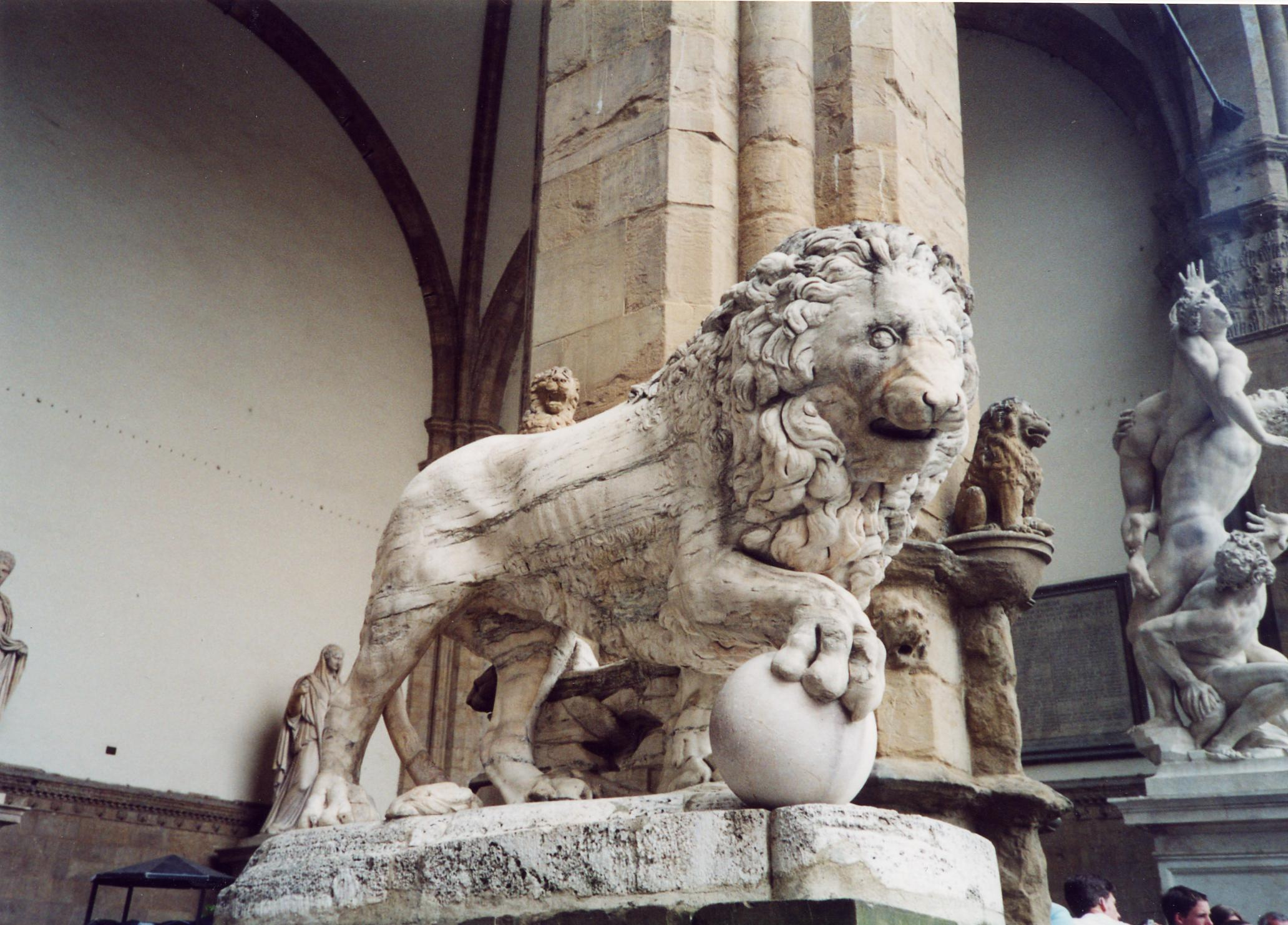 Lions Fountain Florence.Medici Lions Wikipedia