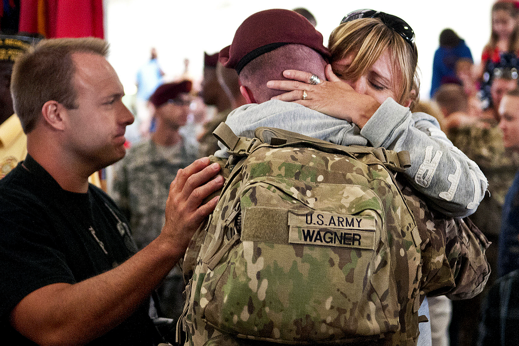 itun soldier homecoming heartwarming - HD 1688×1125