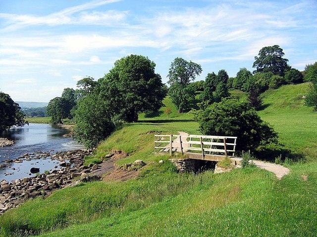 Footbridge on The Dales Way - geograph.org.uk - 1389873