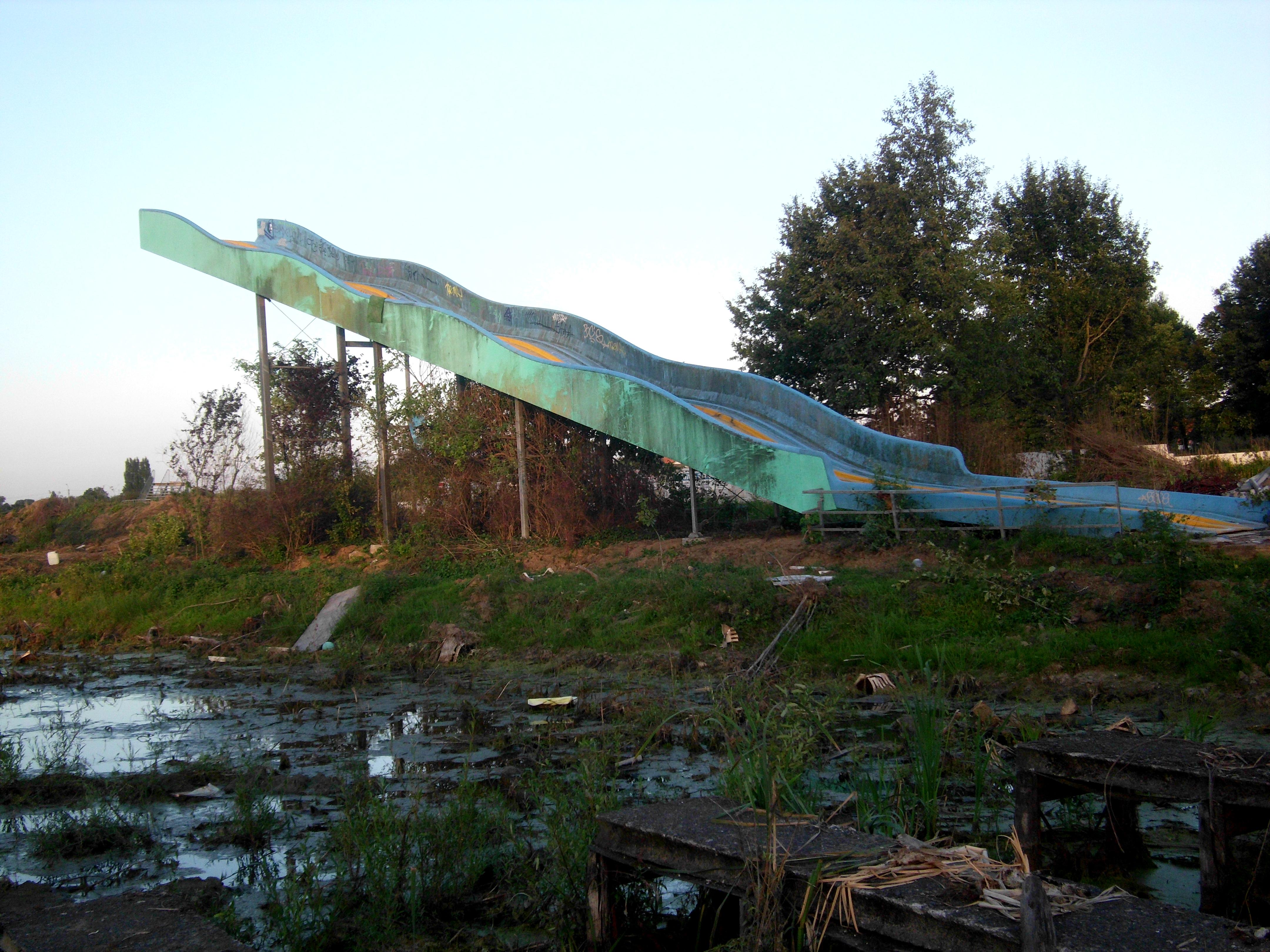 Abandoned Amusement Park File Gesloopte Grootste Glijbaan Van Dadipark Te Dadizele