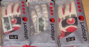 Datei:Handschuhe Uhlsport.jpg