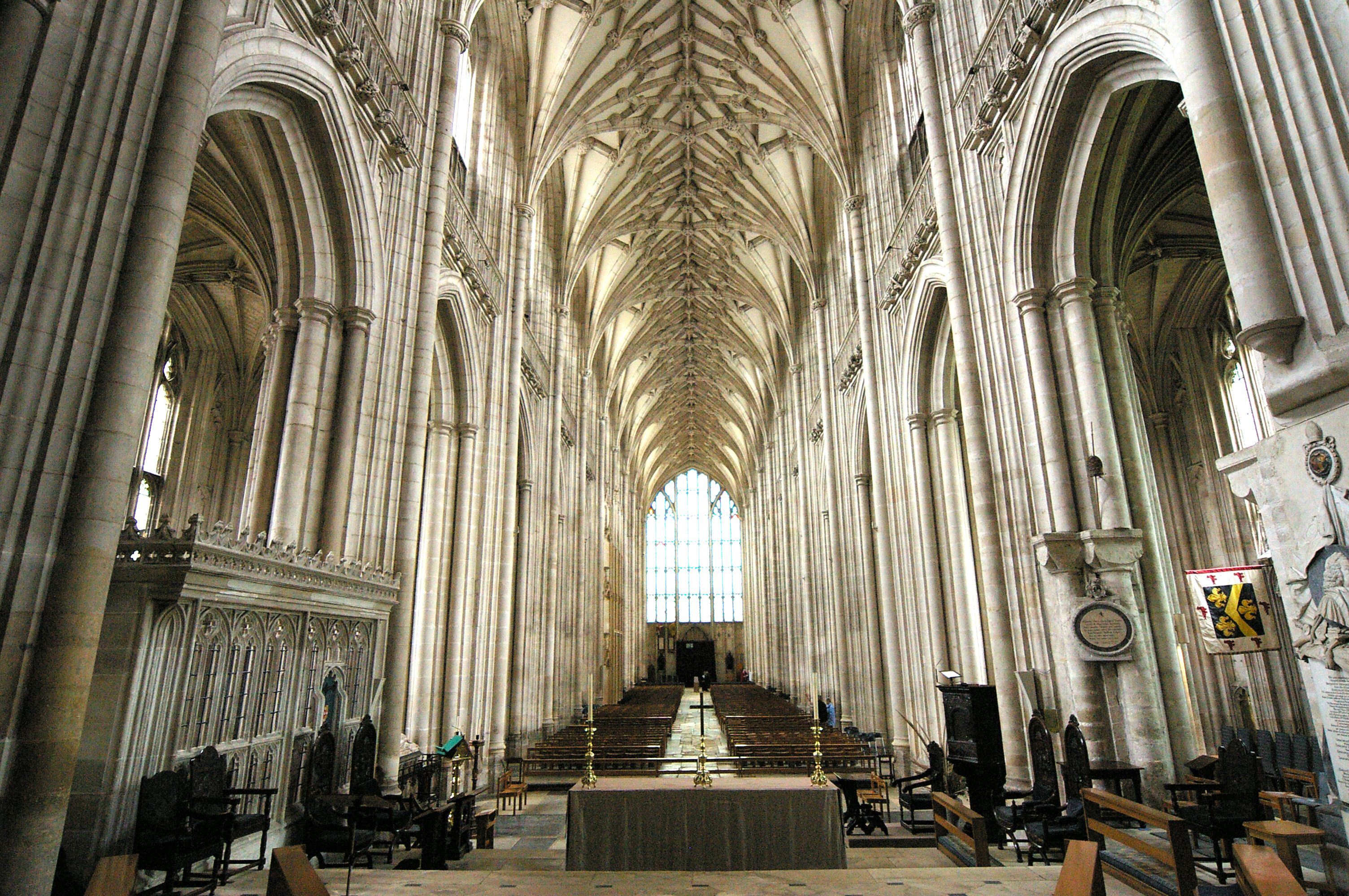 File:IMGP0204 - Winchester Cathedral - 20050322.jpg - Wikimedia ... Canterbury Cathedral Gothic Architecture