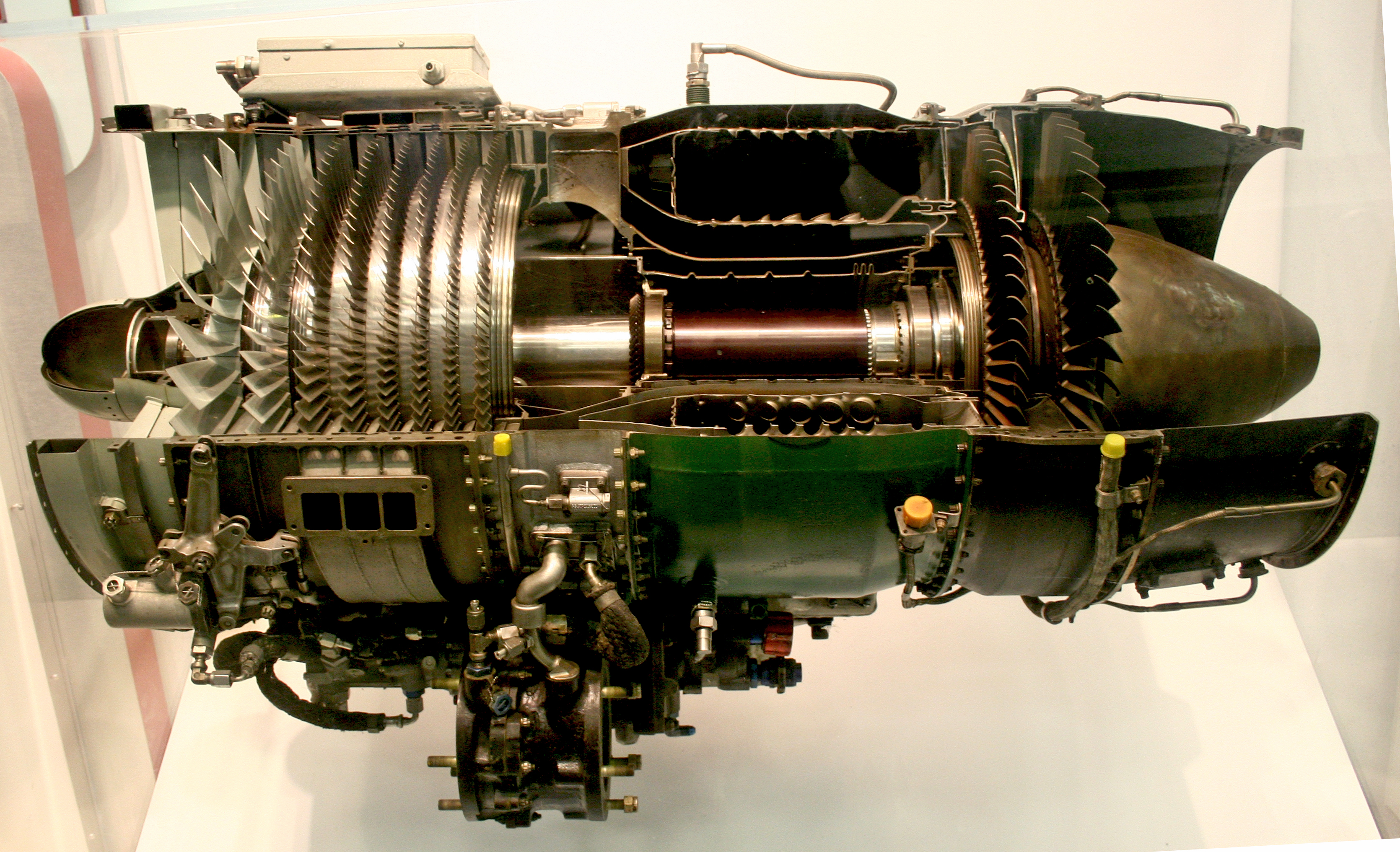 File J85 ge 17a turbojet engine Wikimedia mons