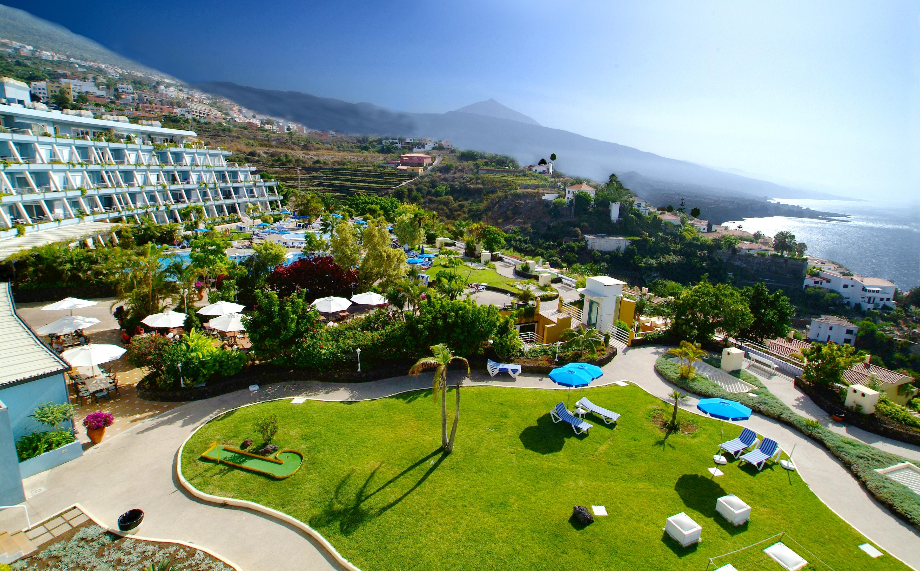 File jardines exteriores la quinta park suites jpg for Jardines exteriores