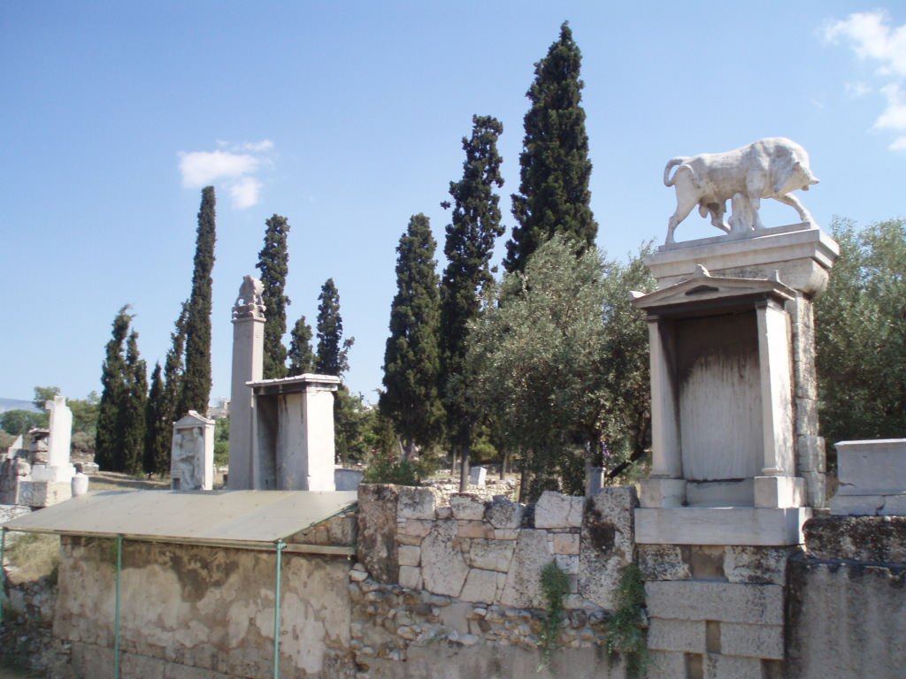 the importance of burial in greek It was of the most important religious importance to keep away intruders from viewing the burial chambers,  roman sarcophagi were displayed in a wide variety of.