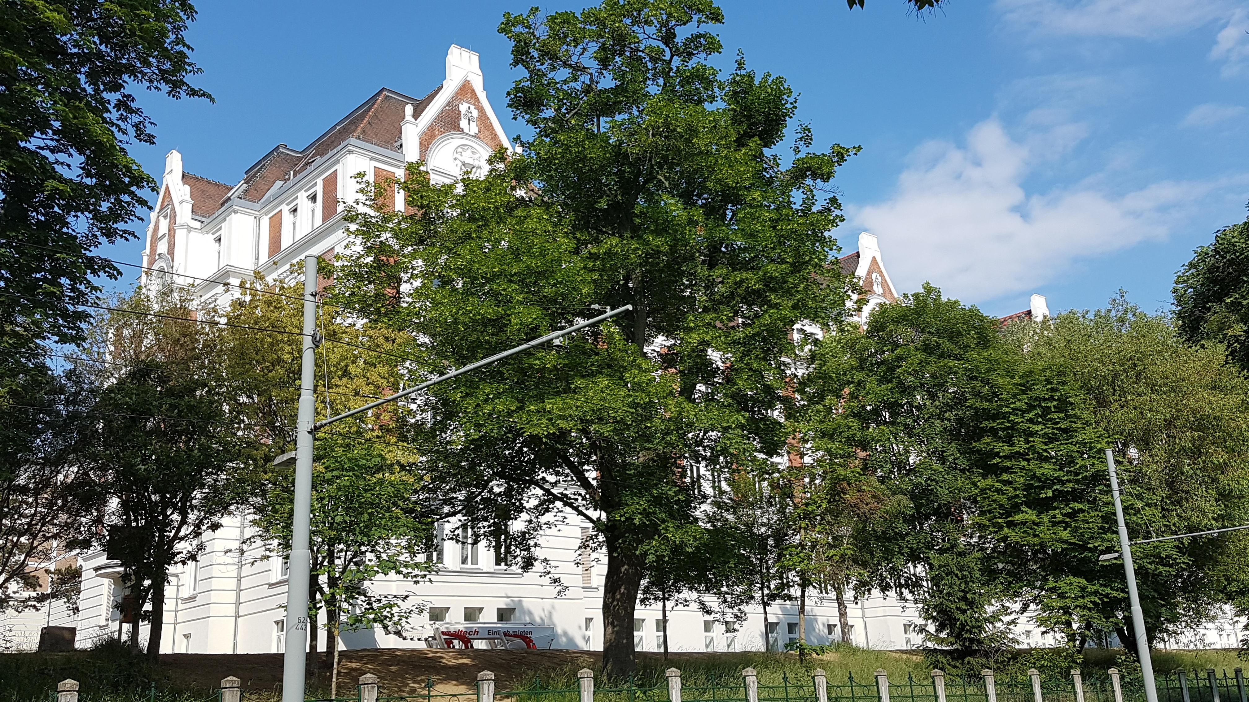 Filekrankenhaus Hietzing 1jpg Wikimedia Commons