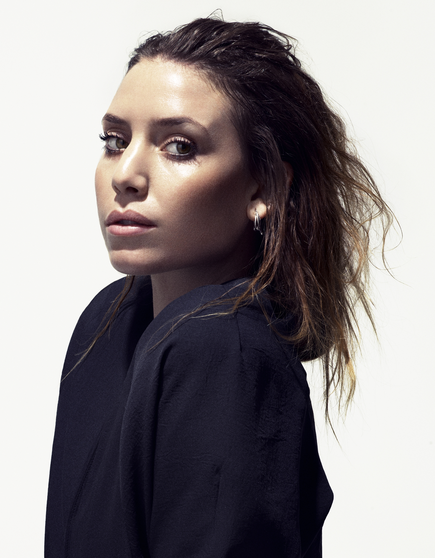 The 32-year old daughter of father Johan Zachrisson and mother Kärsti Stiege Lykke Li in 2018 photo. Lykke Li earned a  million dollar salary - leaving the net worth at 10 million in 2018