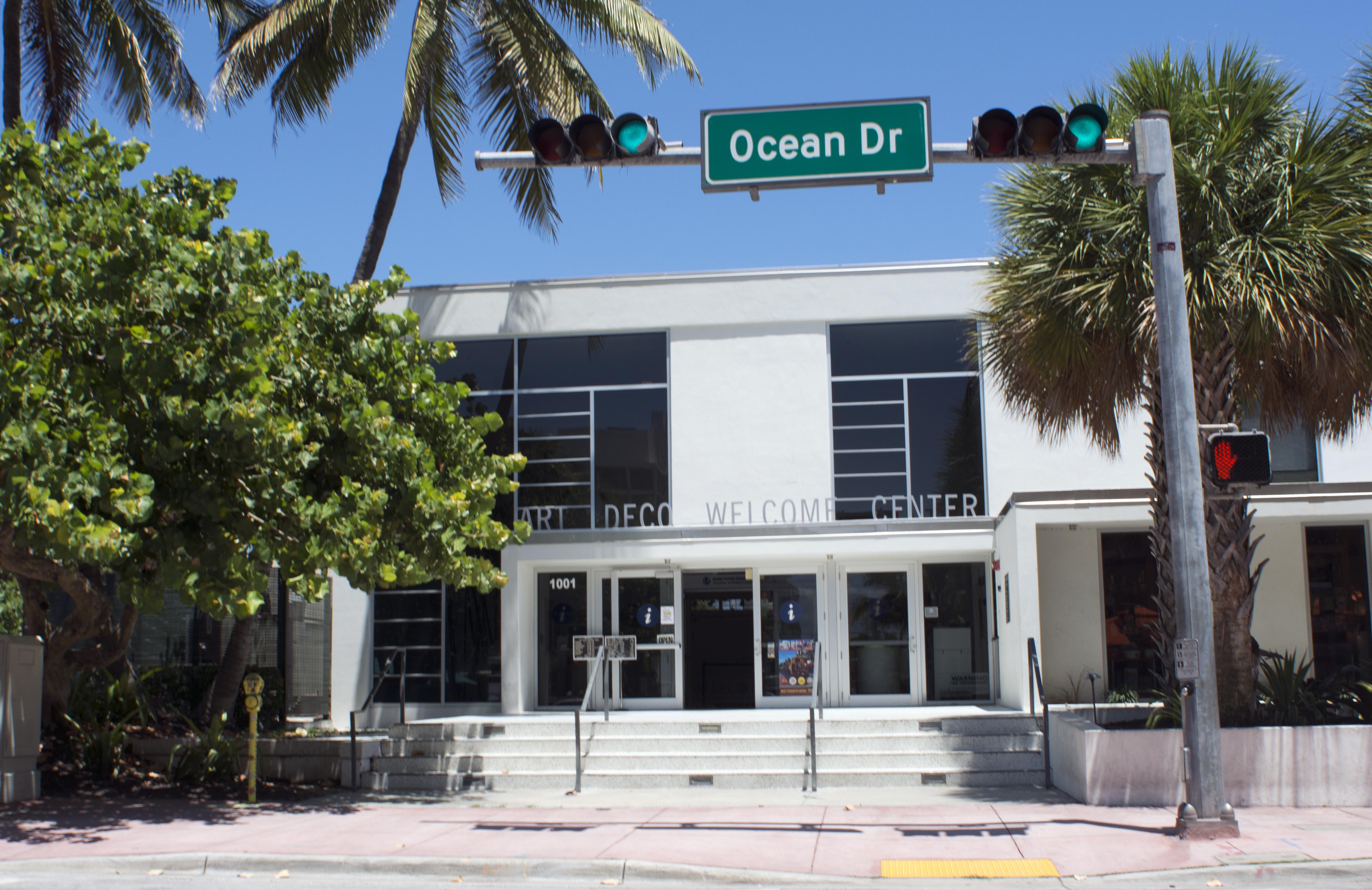 File Miami South Beach Art Deco Welcome Center By D Ramey Logan Jpg