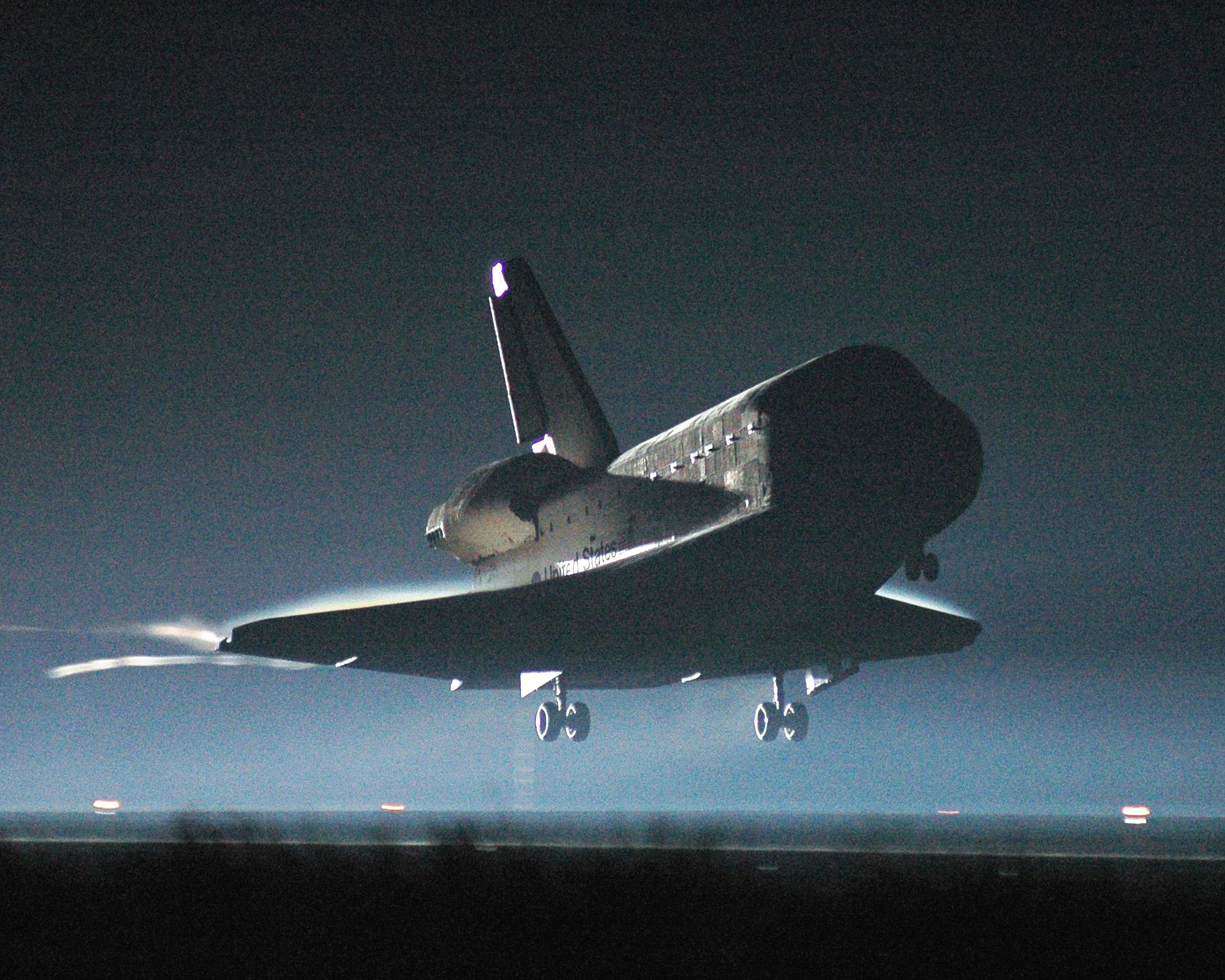 File:NASA-STS115Landing-KSC-06PD-2184.jpg