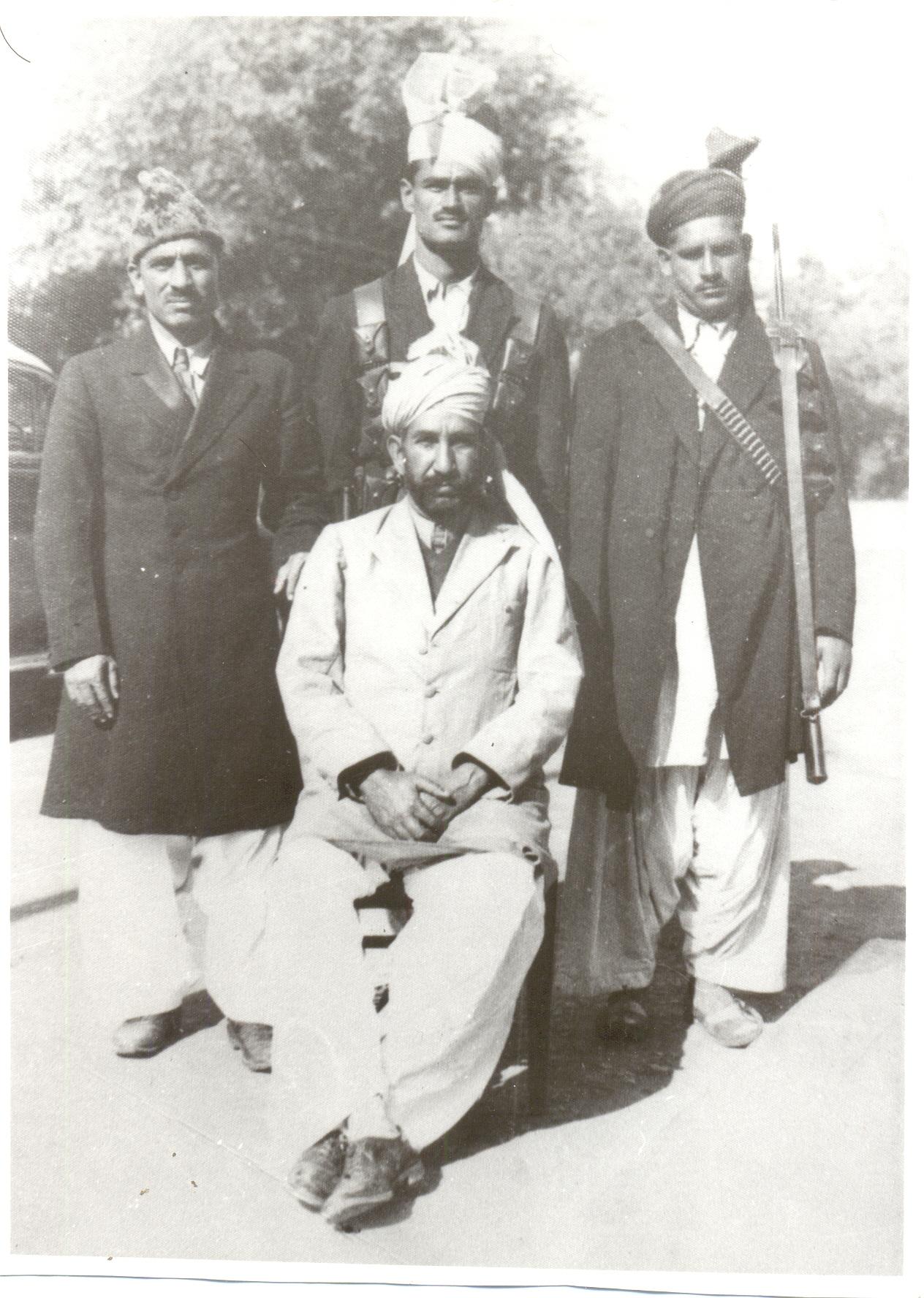 nawabzada mohammad ismail khan of amb state.jpg