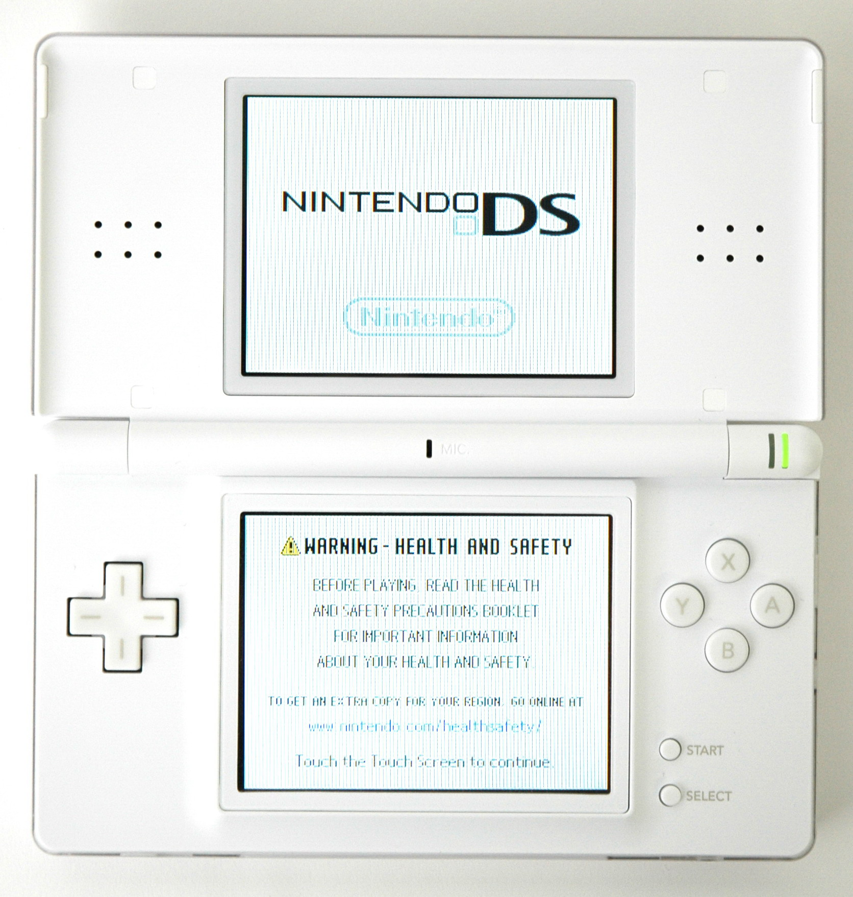 Description Nintendo DS Lite (top open on).jpg