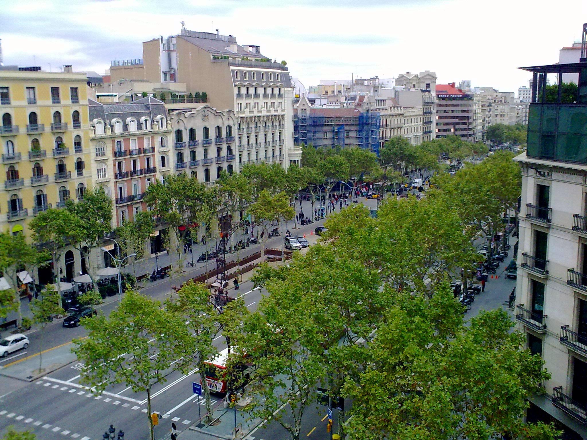 File passeig de gr cia des de la terrassa de l 39 hotel for Hotel gracia barcelona