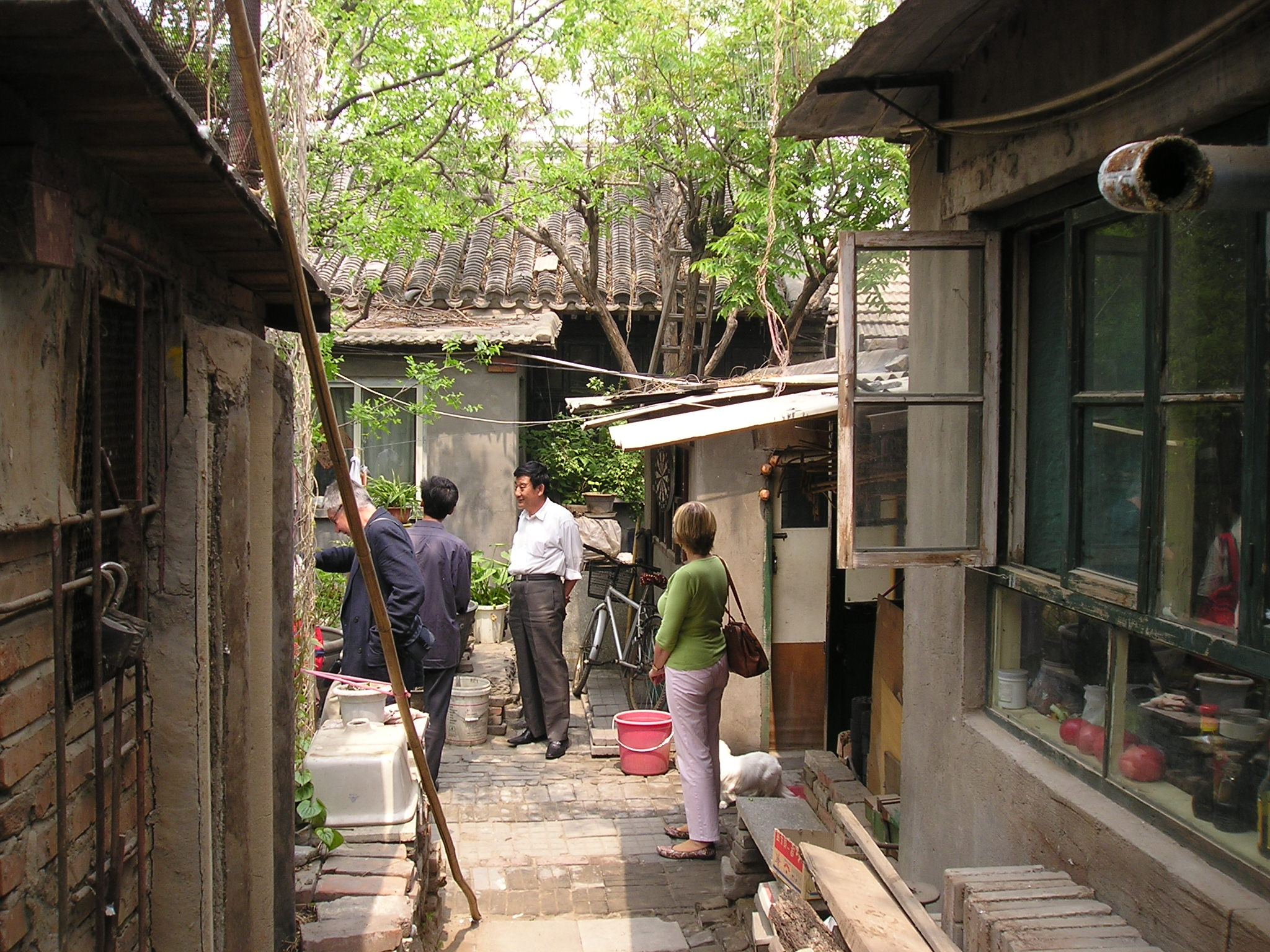 File peking hutong courtyard as well Backyard Retreat besides Nice Gazebo Lights moreover Simple Single Story Modern House Designs additionally Moriyama House. on traditional design house