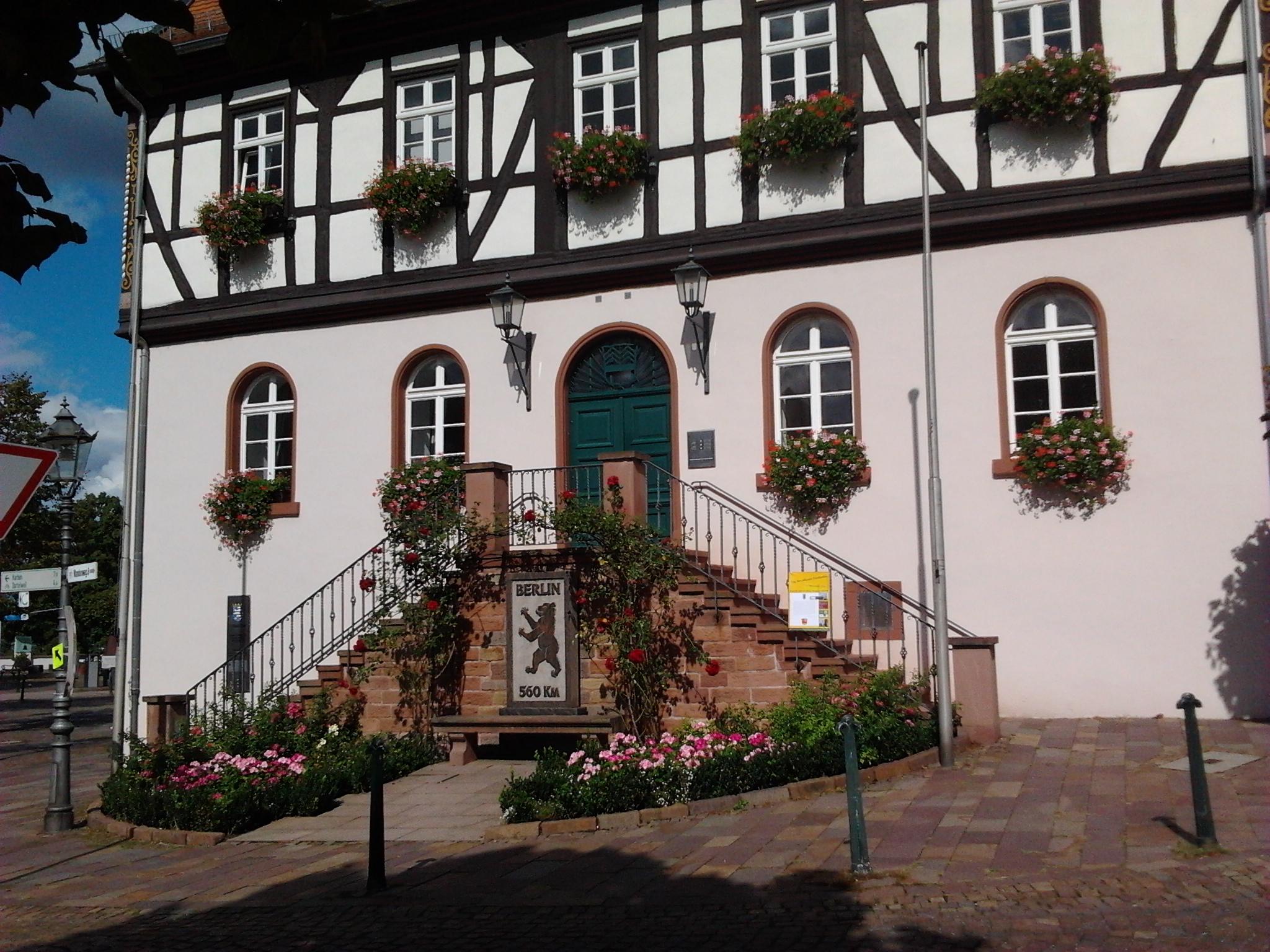 datei rathaus bad vilbel marktplatz wikipedia. Black Bedroom Furniture Sets. Home Design Ideas