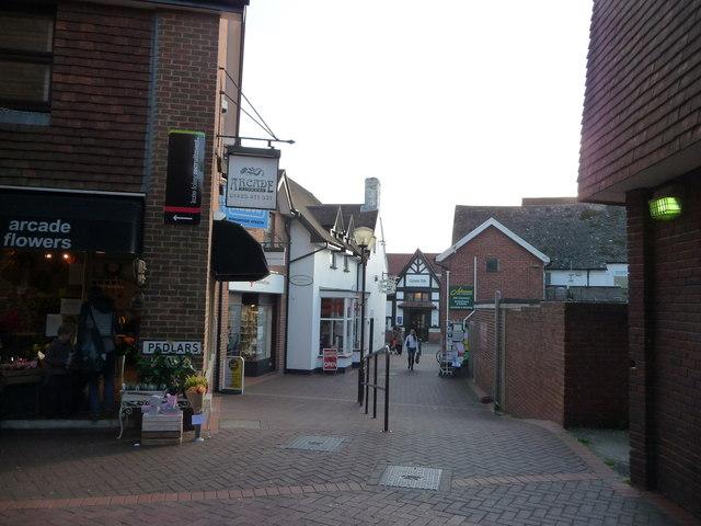 File:Ringwood , Pedlars, near the High Street - geograph.org.uk - 1538728.jpg