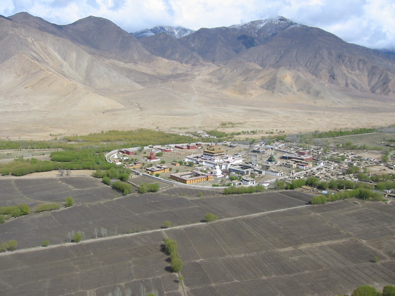 Файл:Samye Monastery, as viewed from the top of Samye Hepo-ri, a local holy mountain.jpg