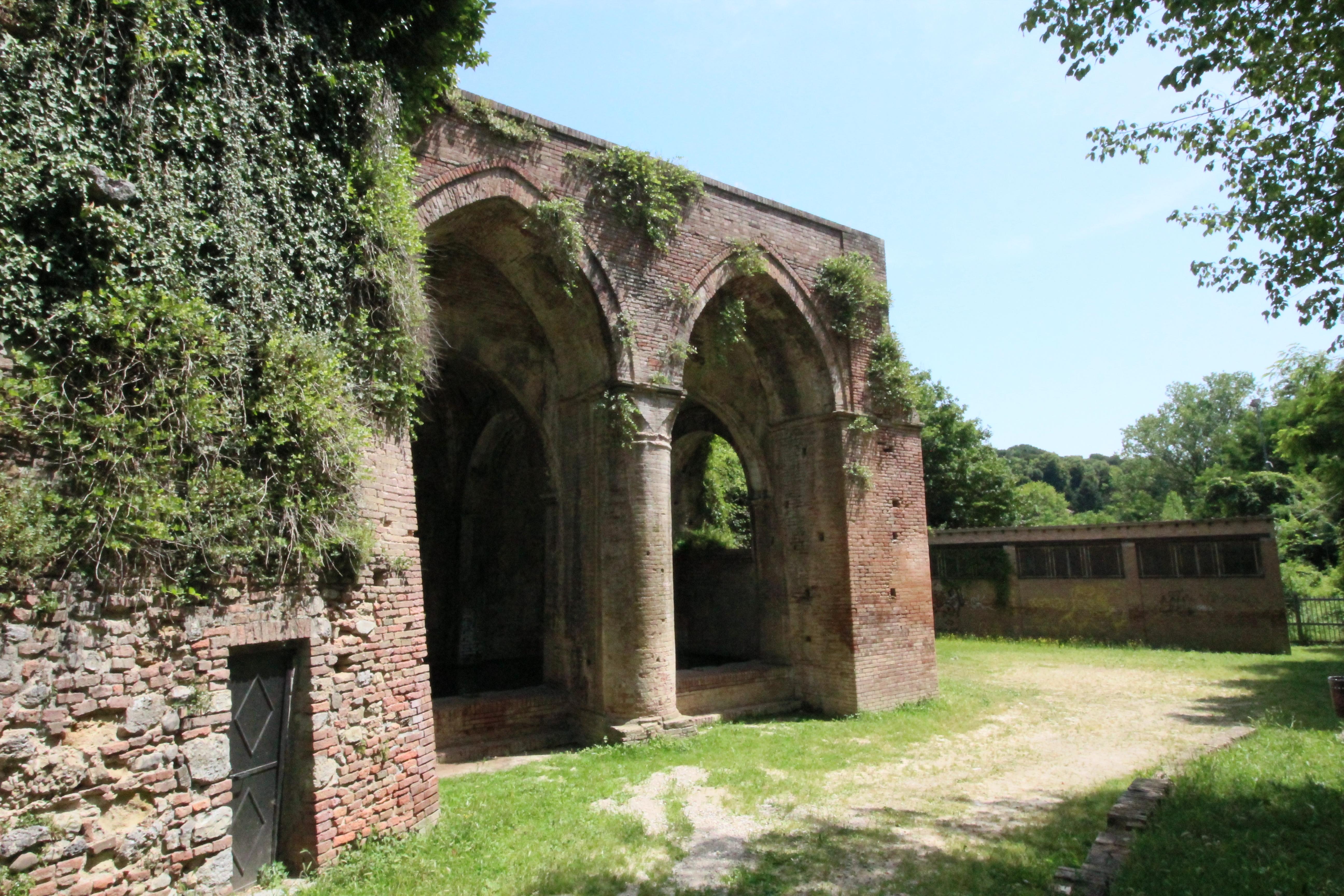 Fonte d'Ovile, Siena