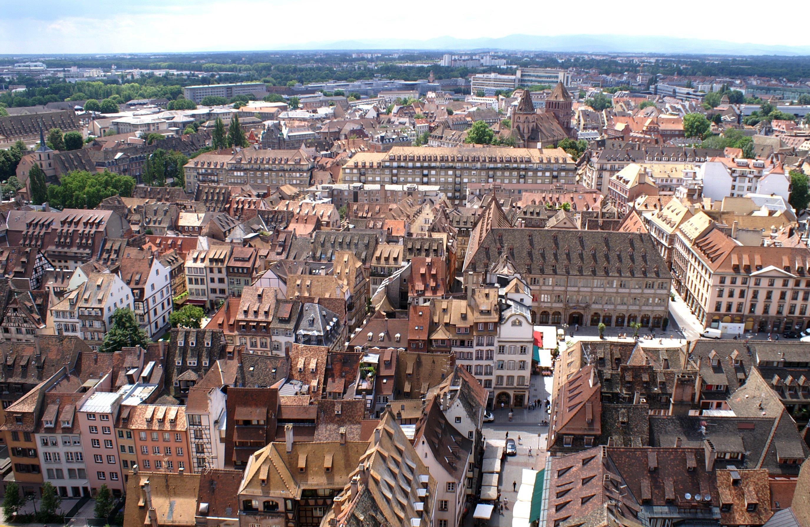 Straßburg: Von Der Grande île Zur Neustadt, Eine Europäische Stadtszenerie