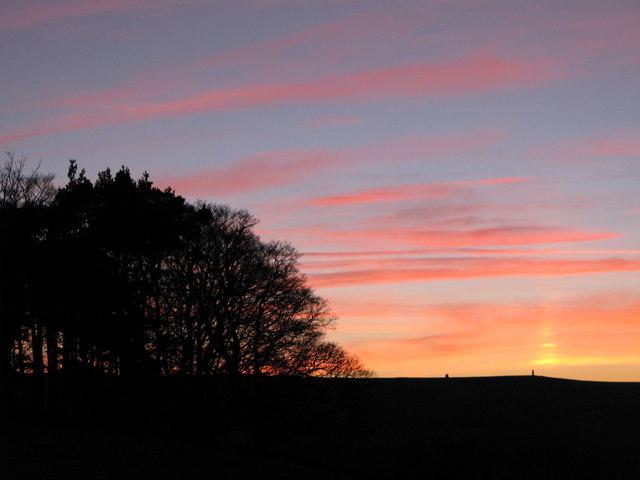File:Sunset over the Allendale lead smelting flue chimneys - geograph.org.uk - 1099483.jpg
