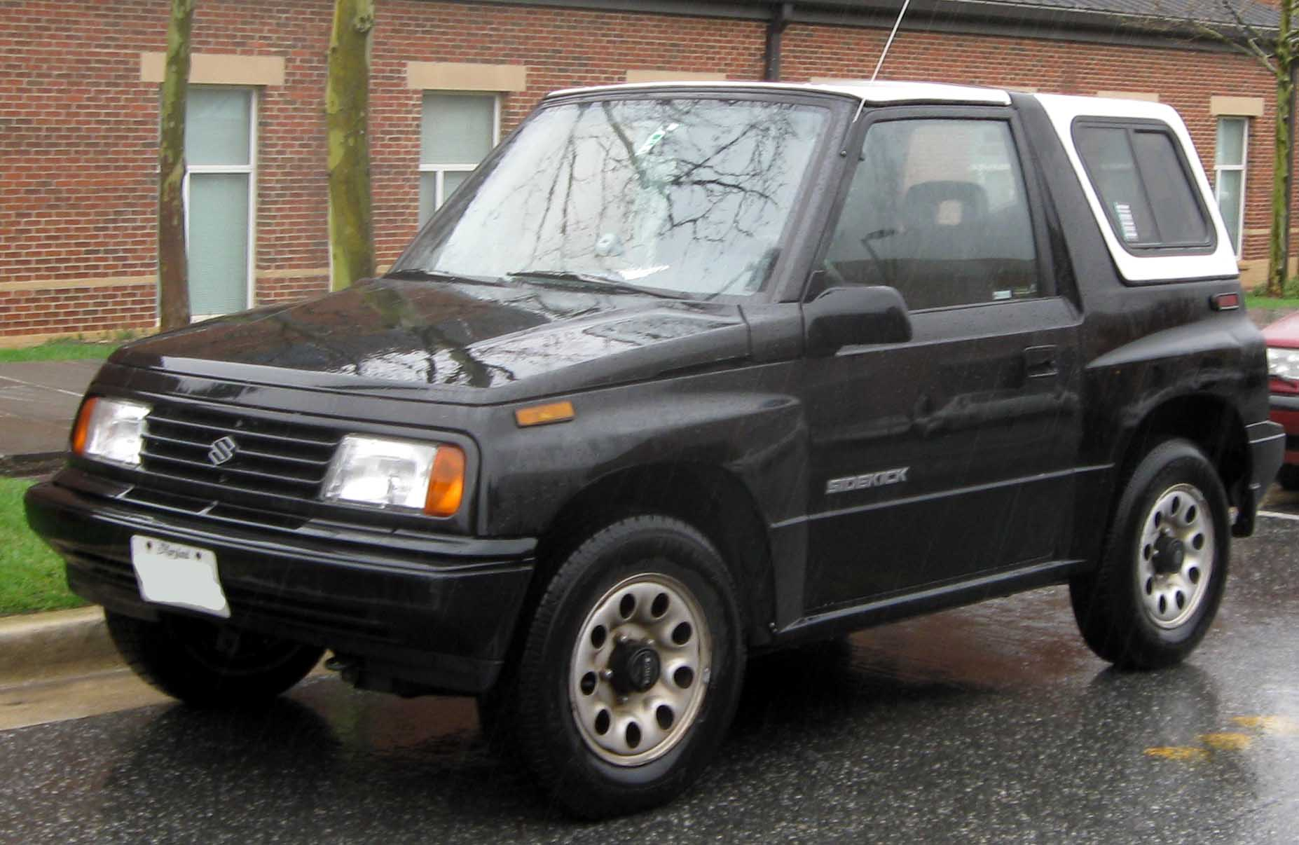 File:Suzuki Sidekick 2-door.jpg - Wikimedia Commons