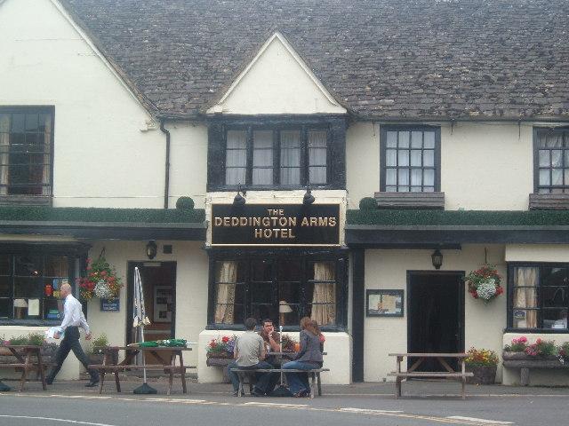 The Deddington Arms Hotel - geograph.org.uk - 23193