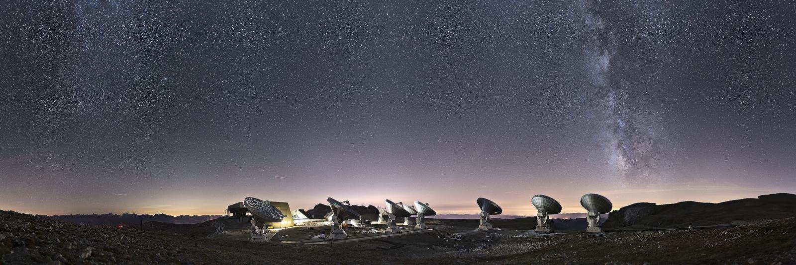 The NOEMA observatory under the night sky.jpg