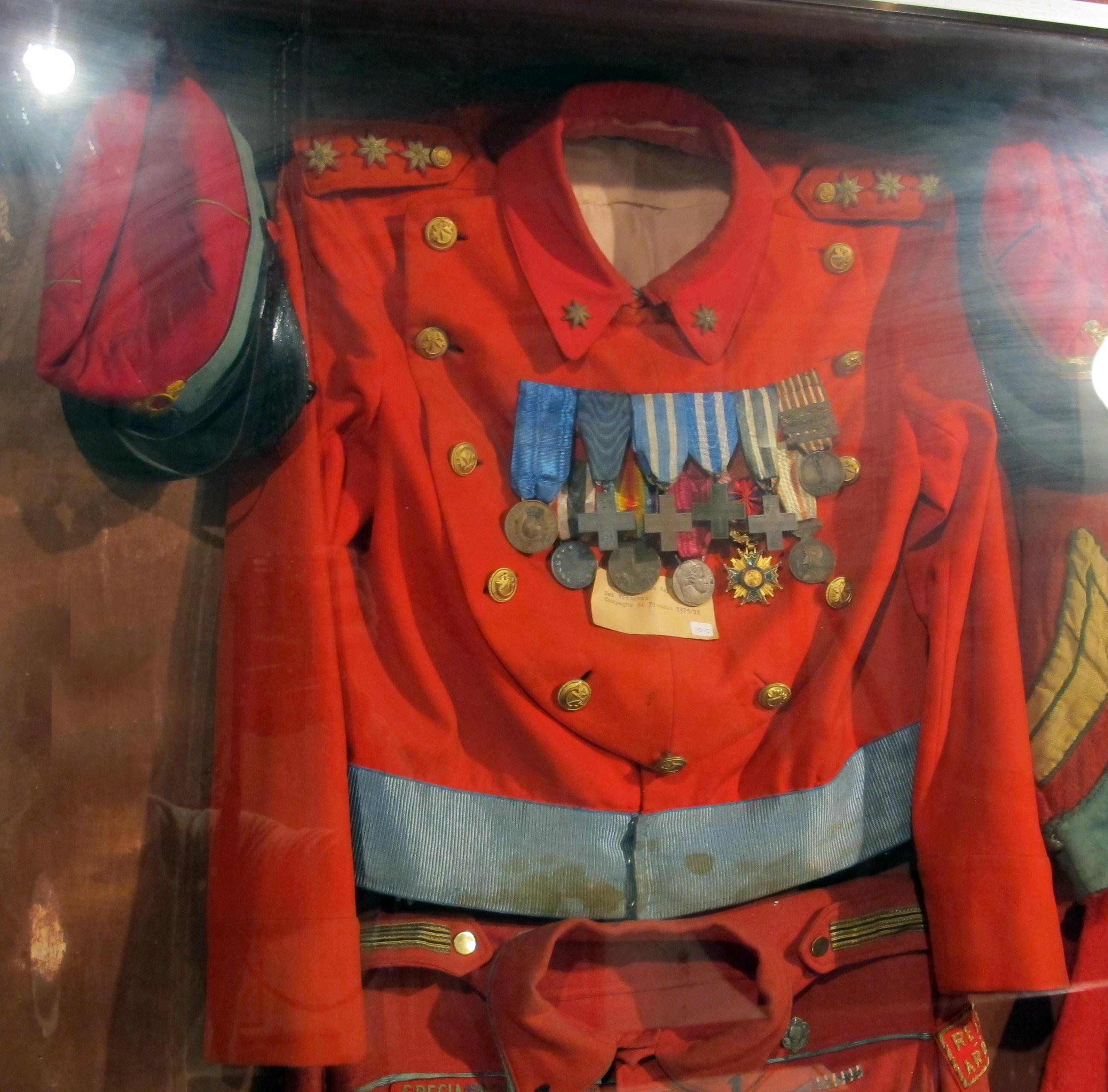 watch cbb46 7b50f File:Torre della castagna, museo garibaldino, camicie rosse ...