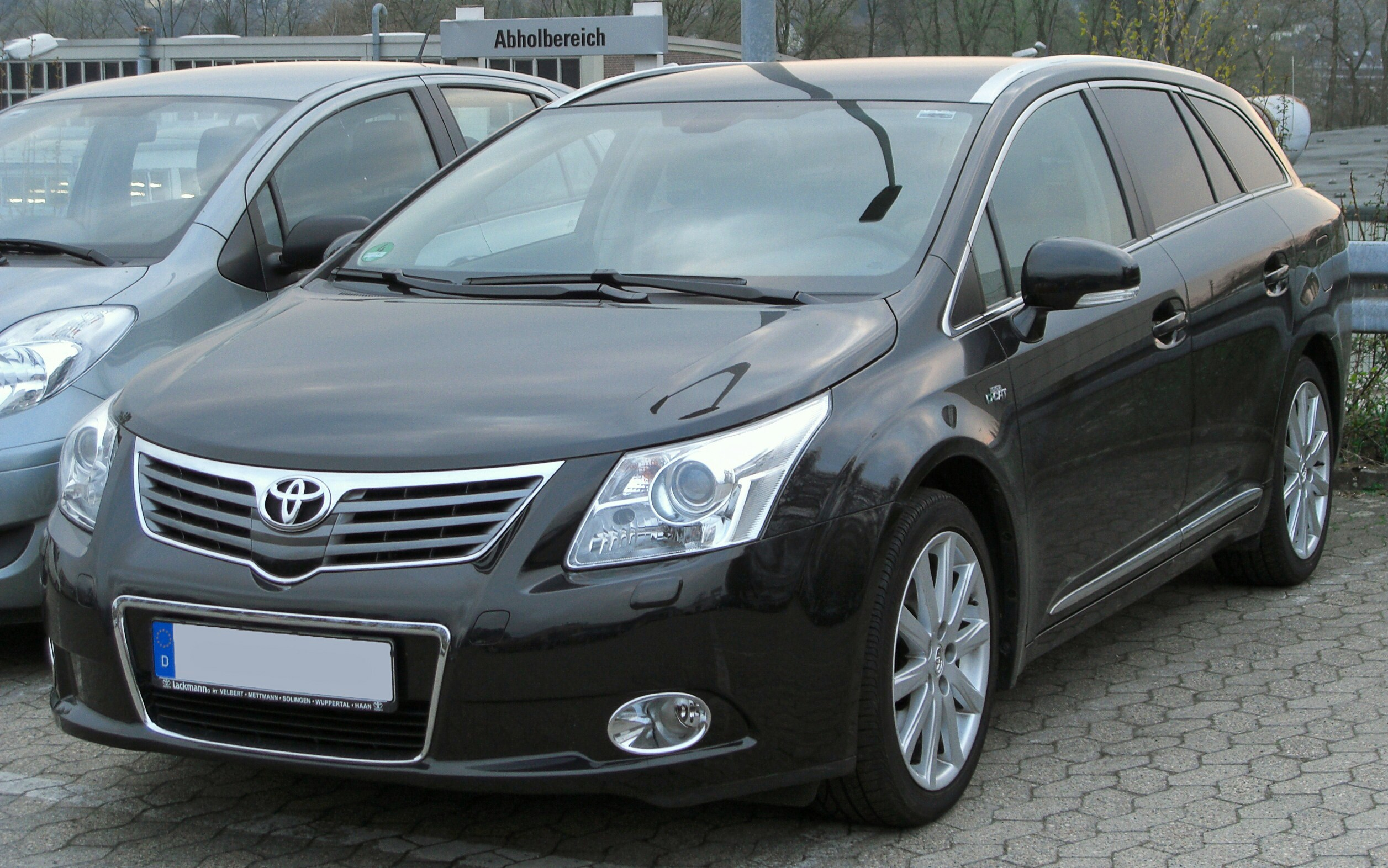 file toyota avensis combi iii front wikimedia commons. Black Bedroom Furniture Sets. Home Design Ideas