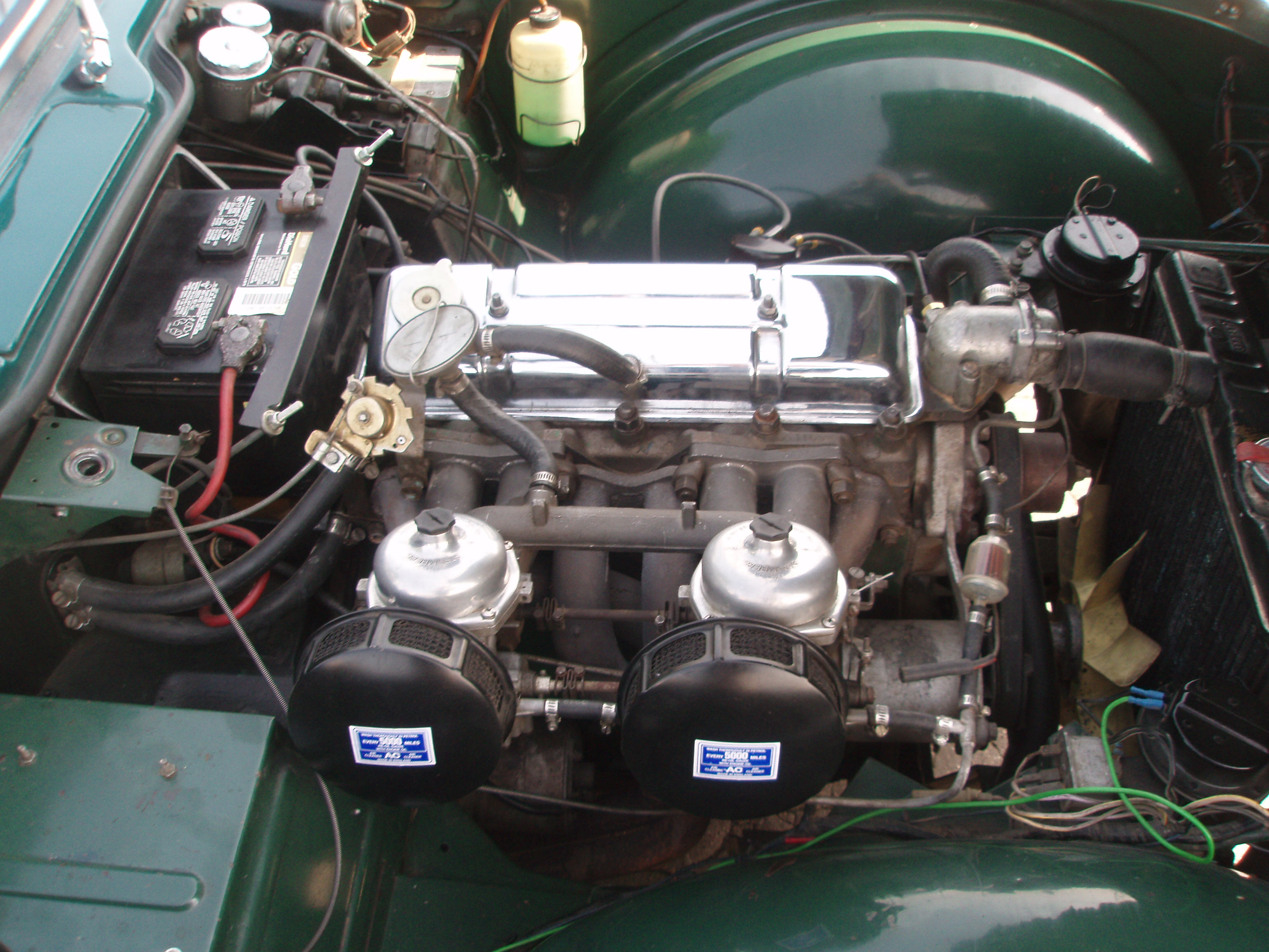 File:Triumph TR4 late US engine jpeg - Wikimedia Commons